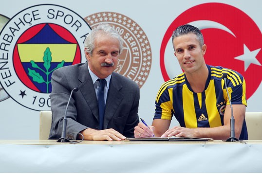 Instead of developing young talent and investing at grassroots level, ambitious presidents – under pressure from fans and the media – frequently bring in ageing foreign stars for inflated sums. Fenerbahce, signed Robin Van Persie, then 31, for an undisclosed fee in 2015, on a salary of about €4.9 million (plus bonuses) per season.