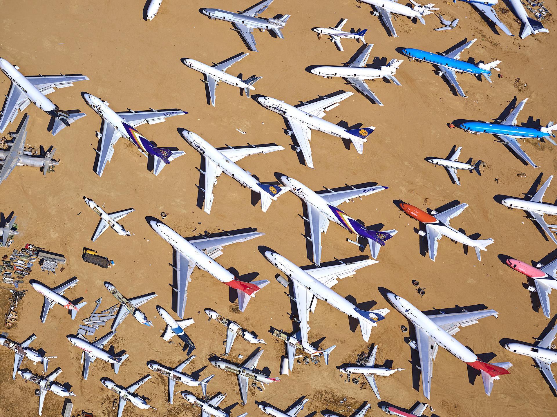 PlanesOnground.jpg