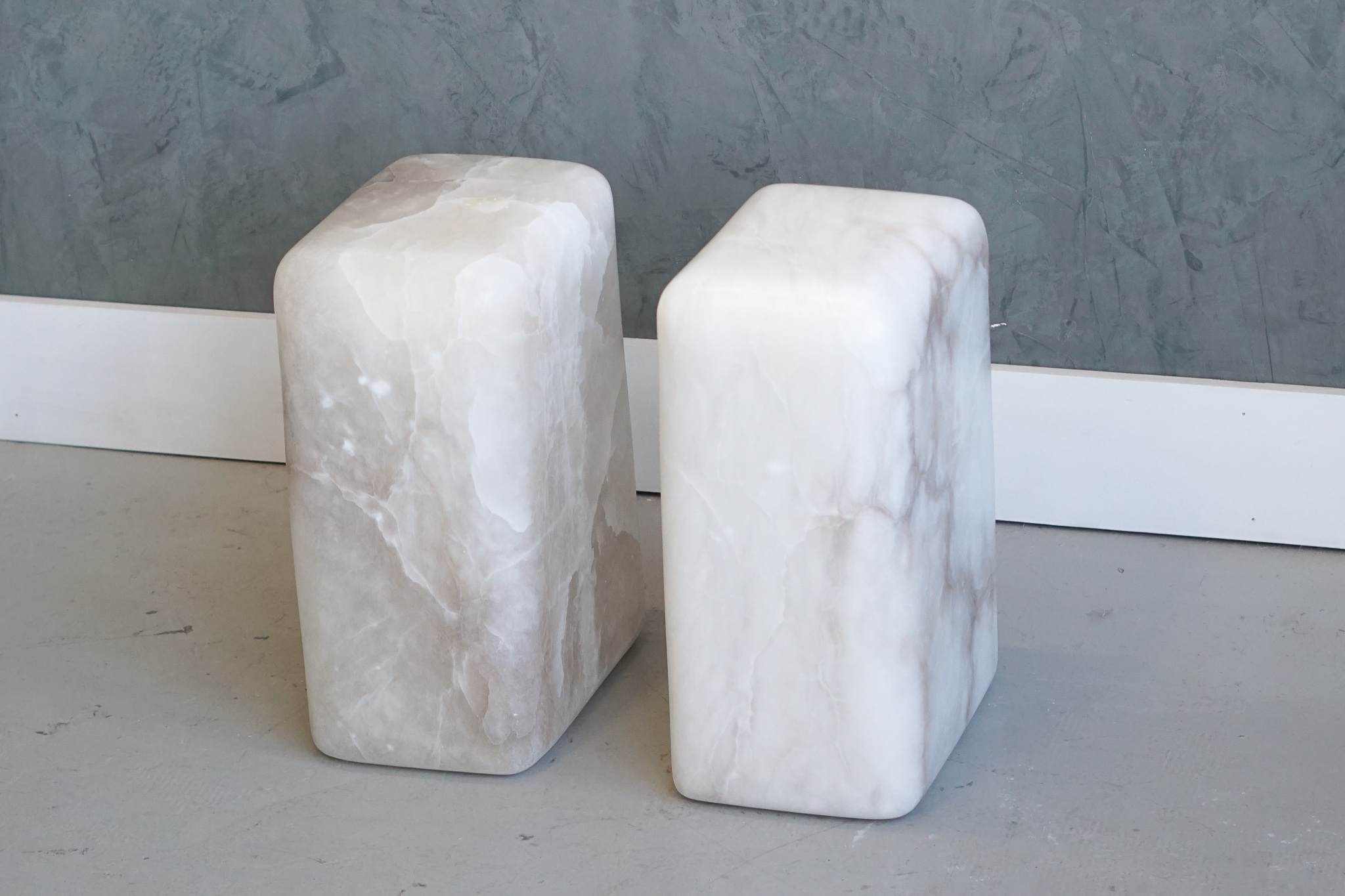 CHUNK SIDE TABLES