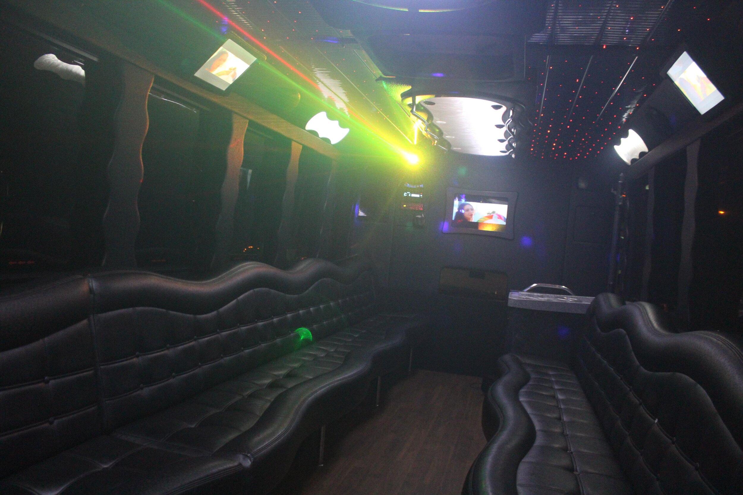cheap-black-pearl-limo-bus-near-pacific-beach-interior-picture.jpg