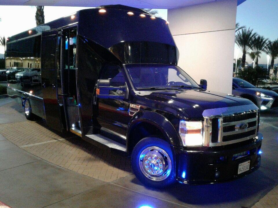 limo-bus-service-for-bachelorette-parties-from-la-jolla-exterior-picture.jpg