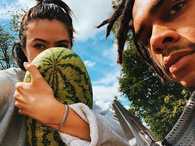 Afternoon from your fav urban farmers. Here's our latest and greatest, an elongated watermelon juicy as hell 😋 For those of you local, we will be vending this weekend @motherearthfair @7springspa. We're super pumped to be sampling out some our new goodies. Stop by if you're around, would love to see your beautiful faces, 🌎❤️💫🍄🙌🏼
