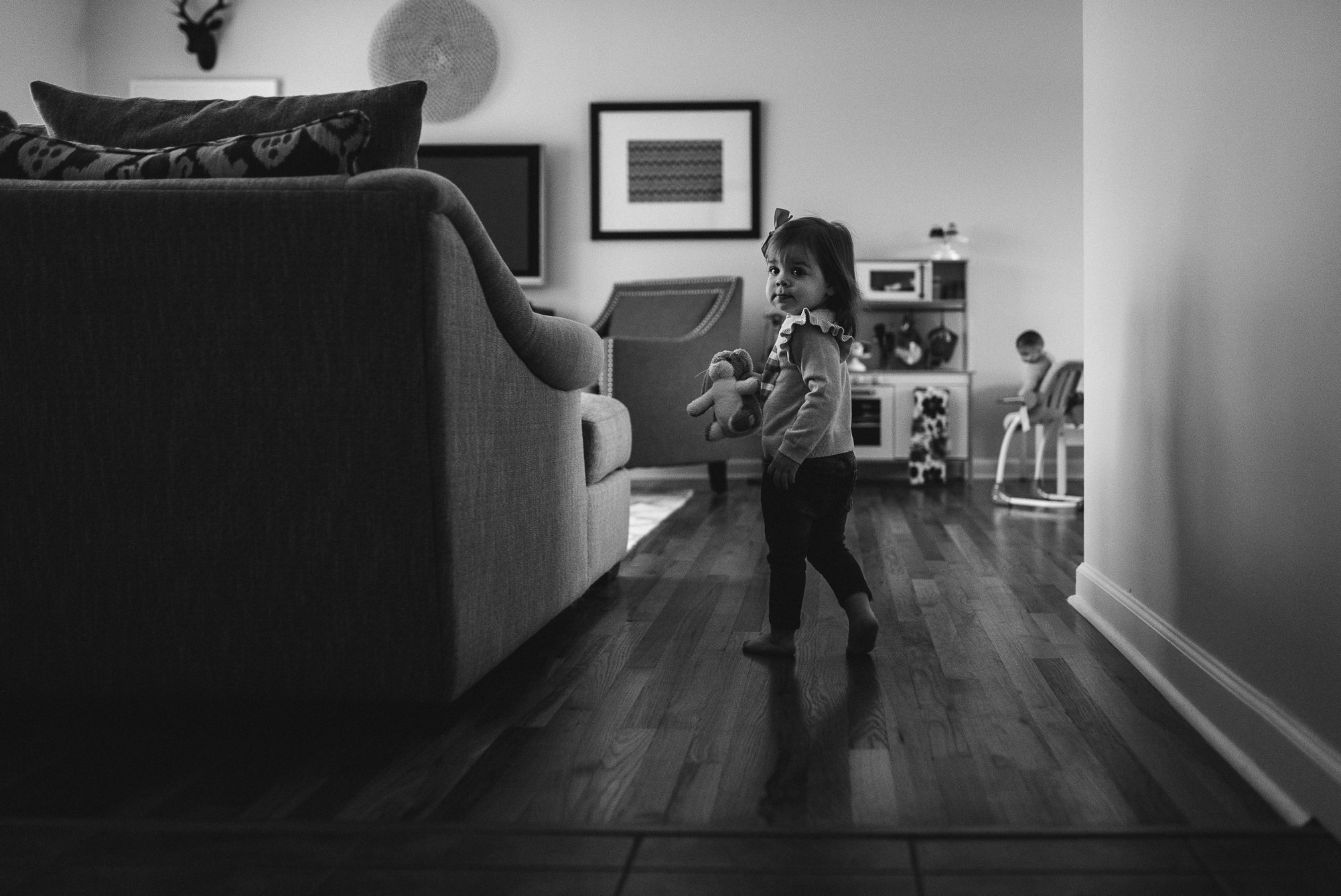 hallway running-st louis portrait photographer