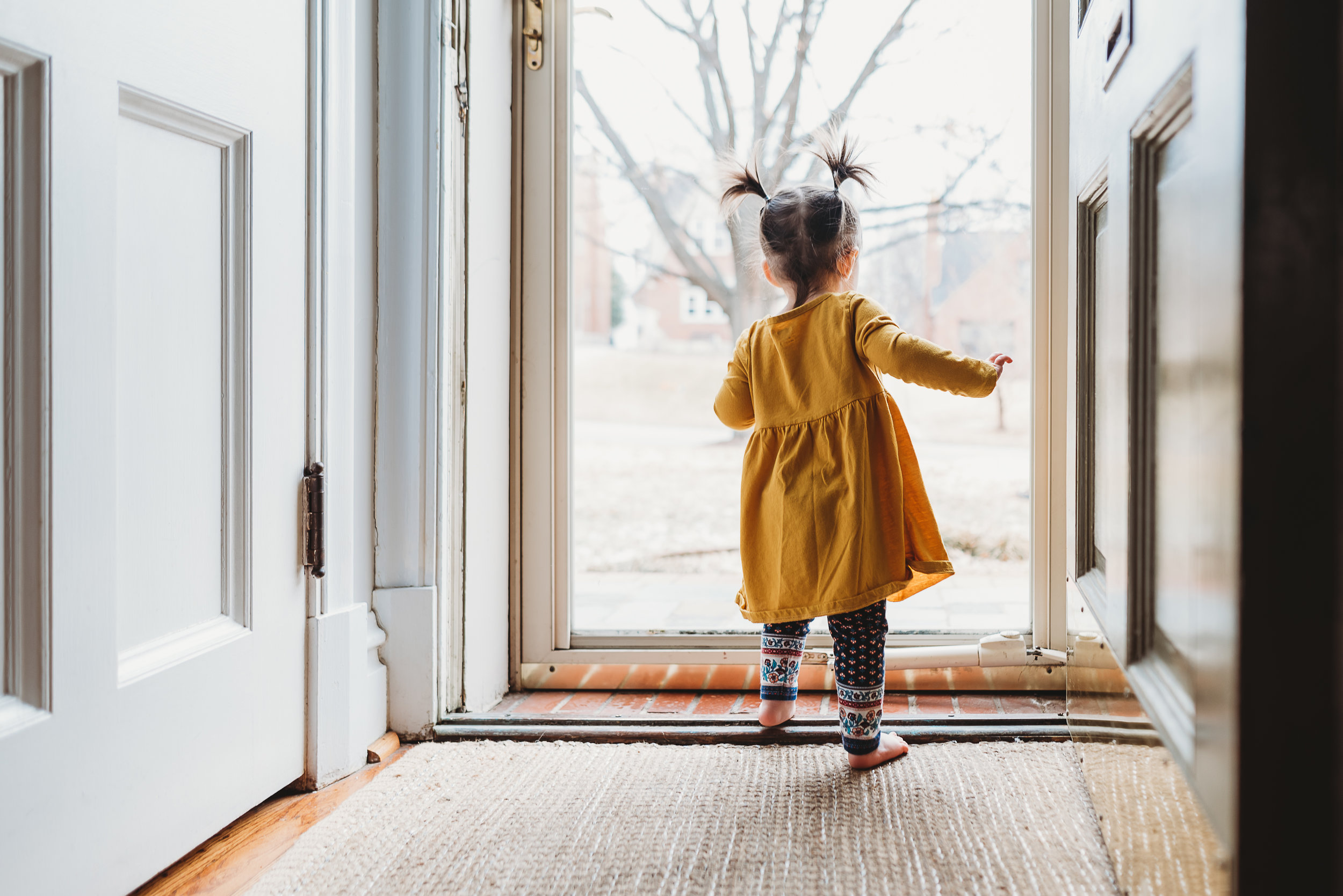 looking out the door {In-home St. Louis photography}