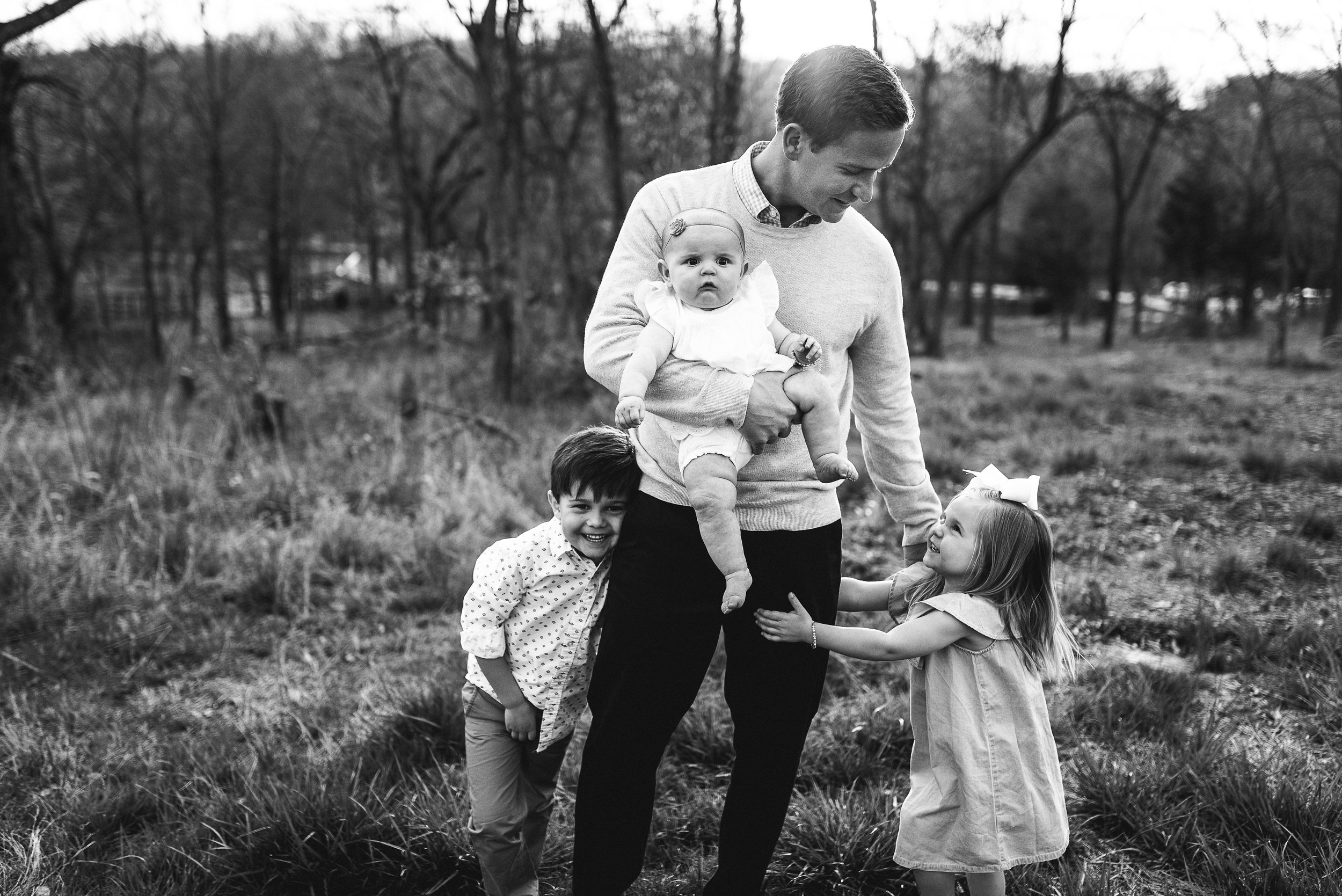 dad with 3 young children