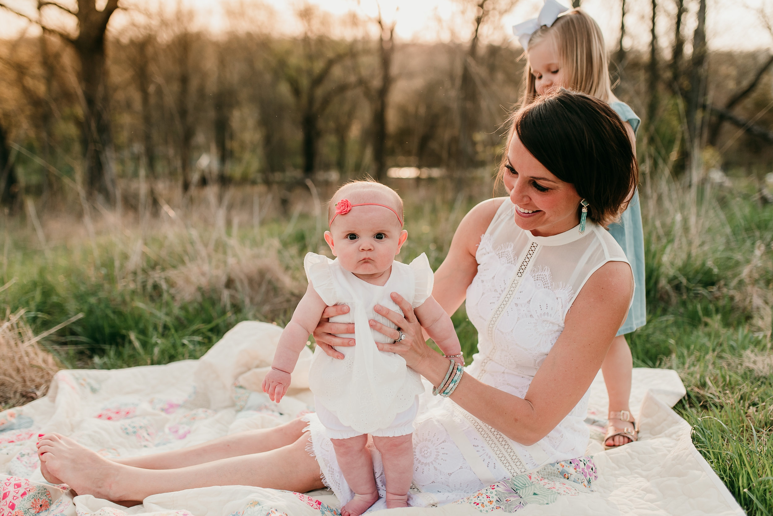 mom with daughters- Angie Wynne photography