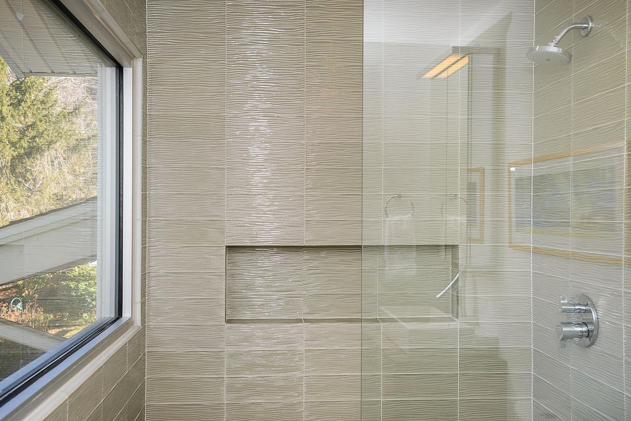 wave-glass-tile.jpg