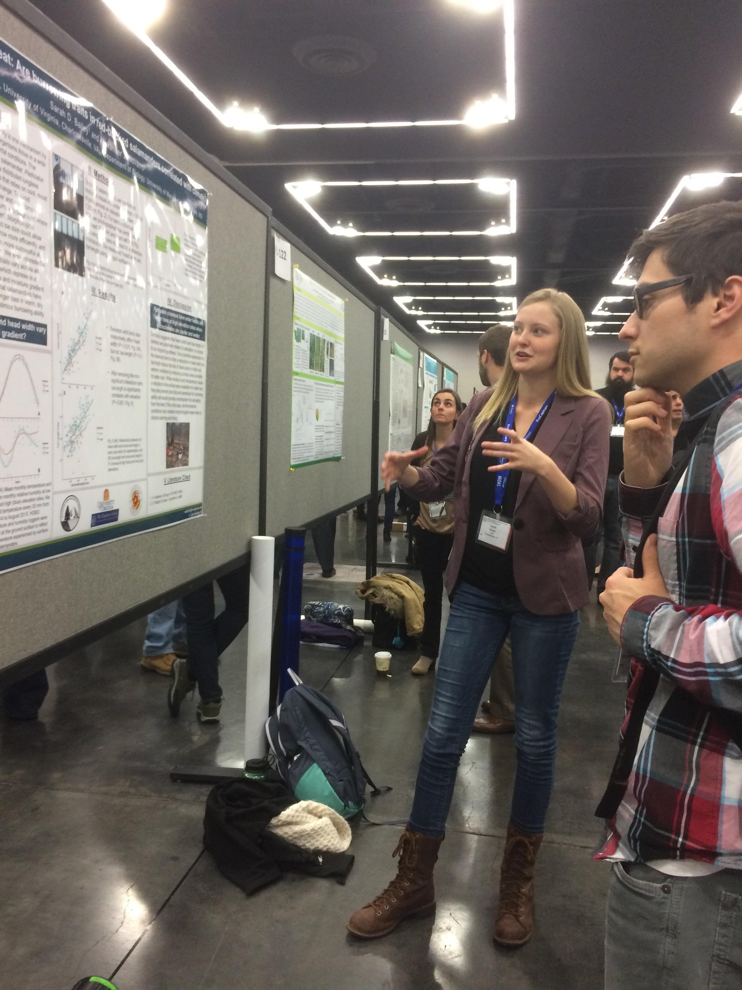 Sarah presenting her research at SICB