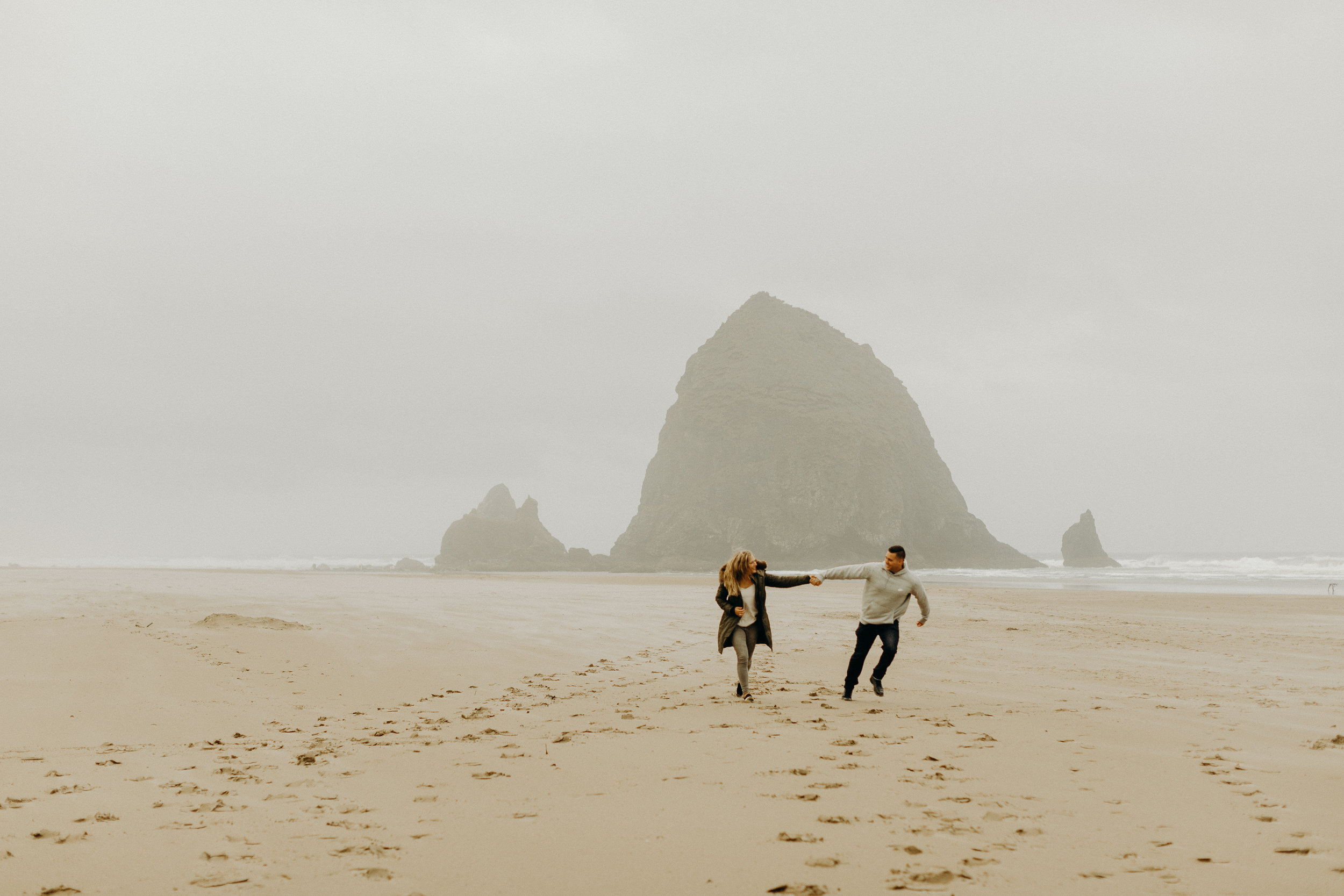 Oregon Coast Engagement Session 5.jpg