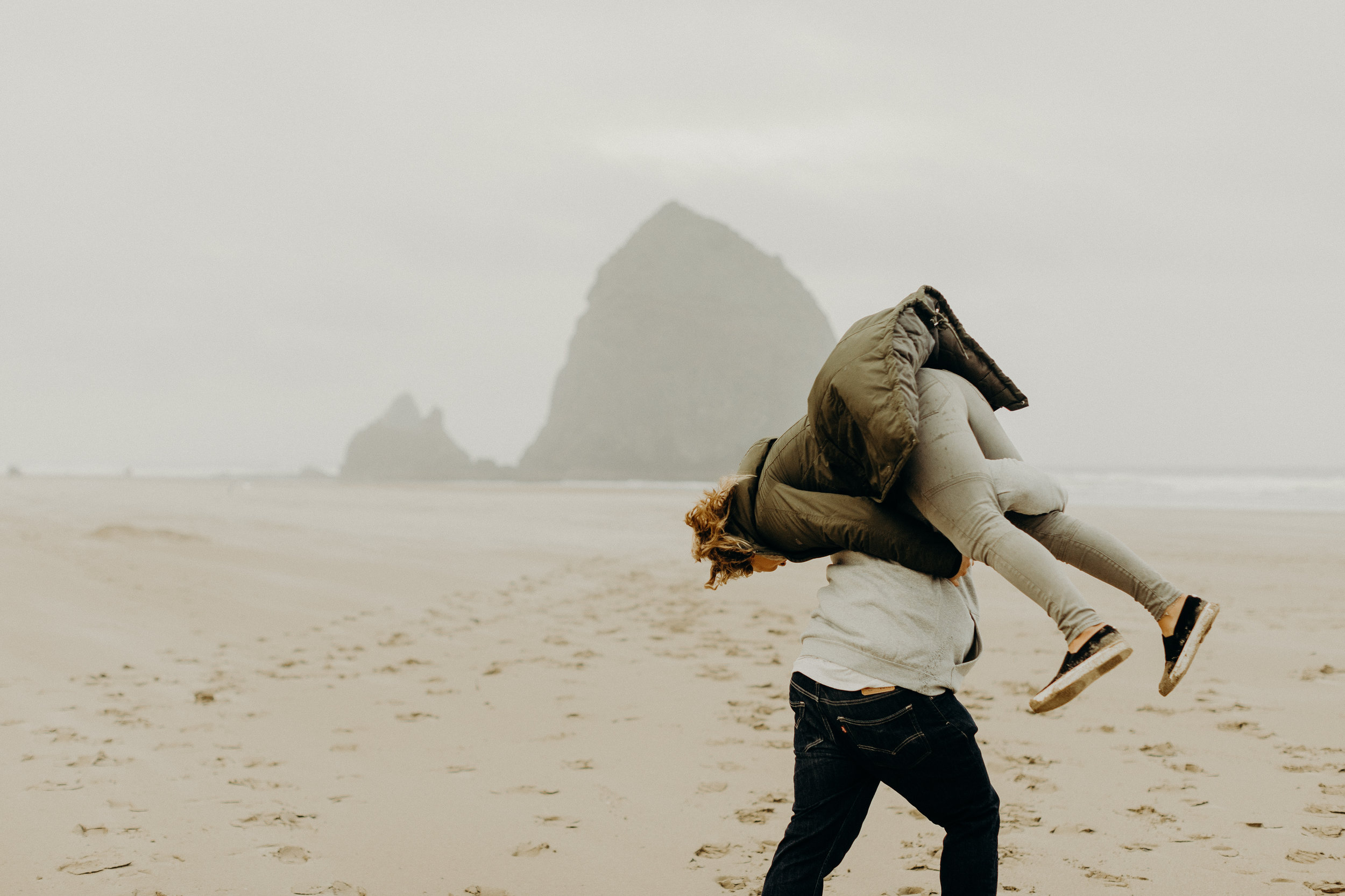 Oregon Coast Engagement Session 6.jpg