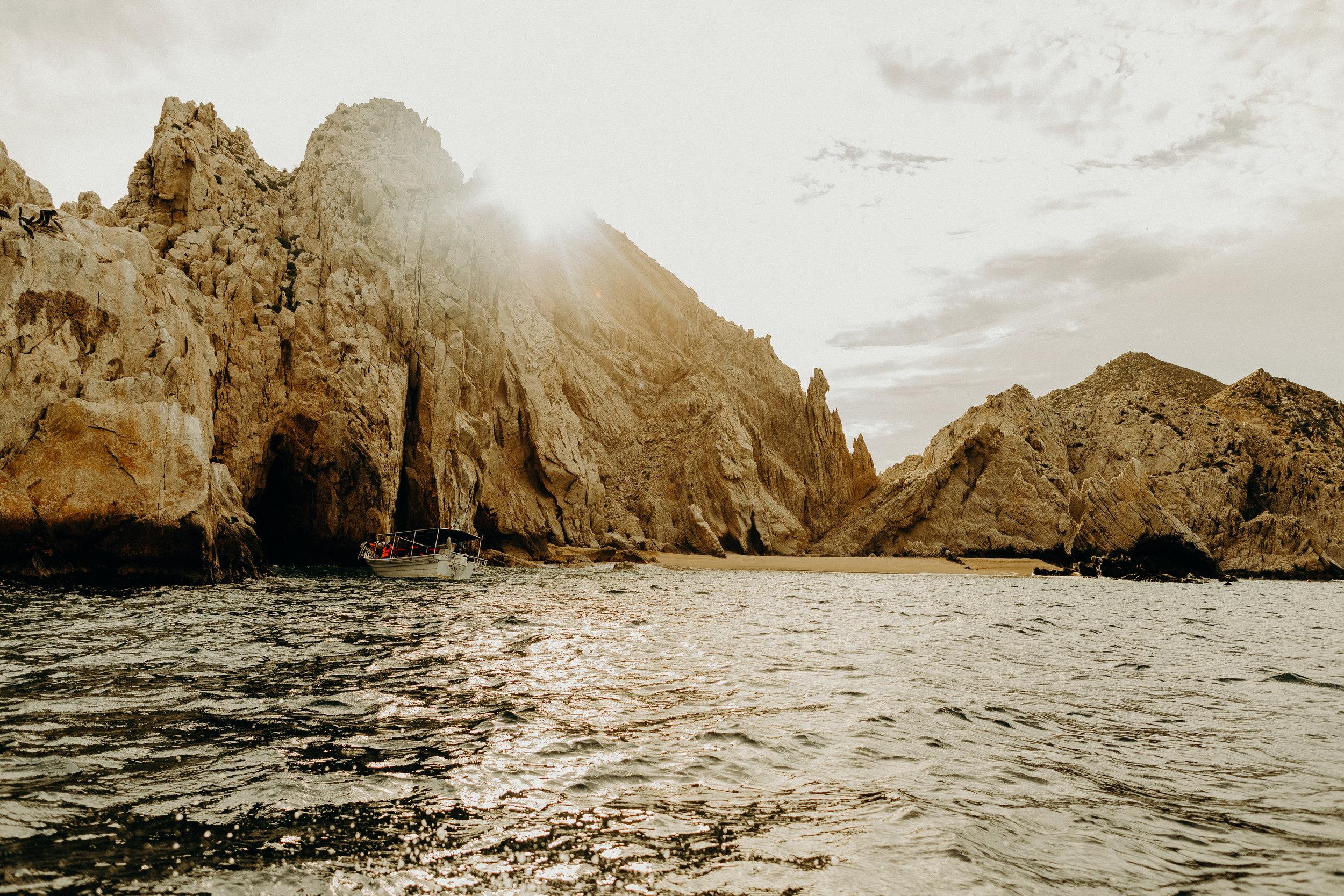 Cabo San Lucas Lovers Beach Elopement 7.jpg