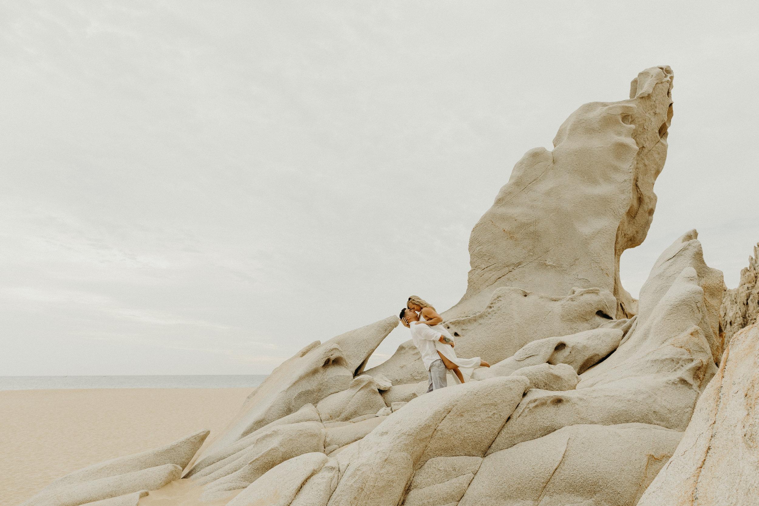Cabo San Lucas Lovers Beach Elopement 14.jpg