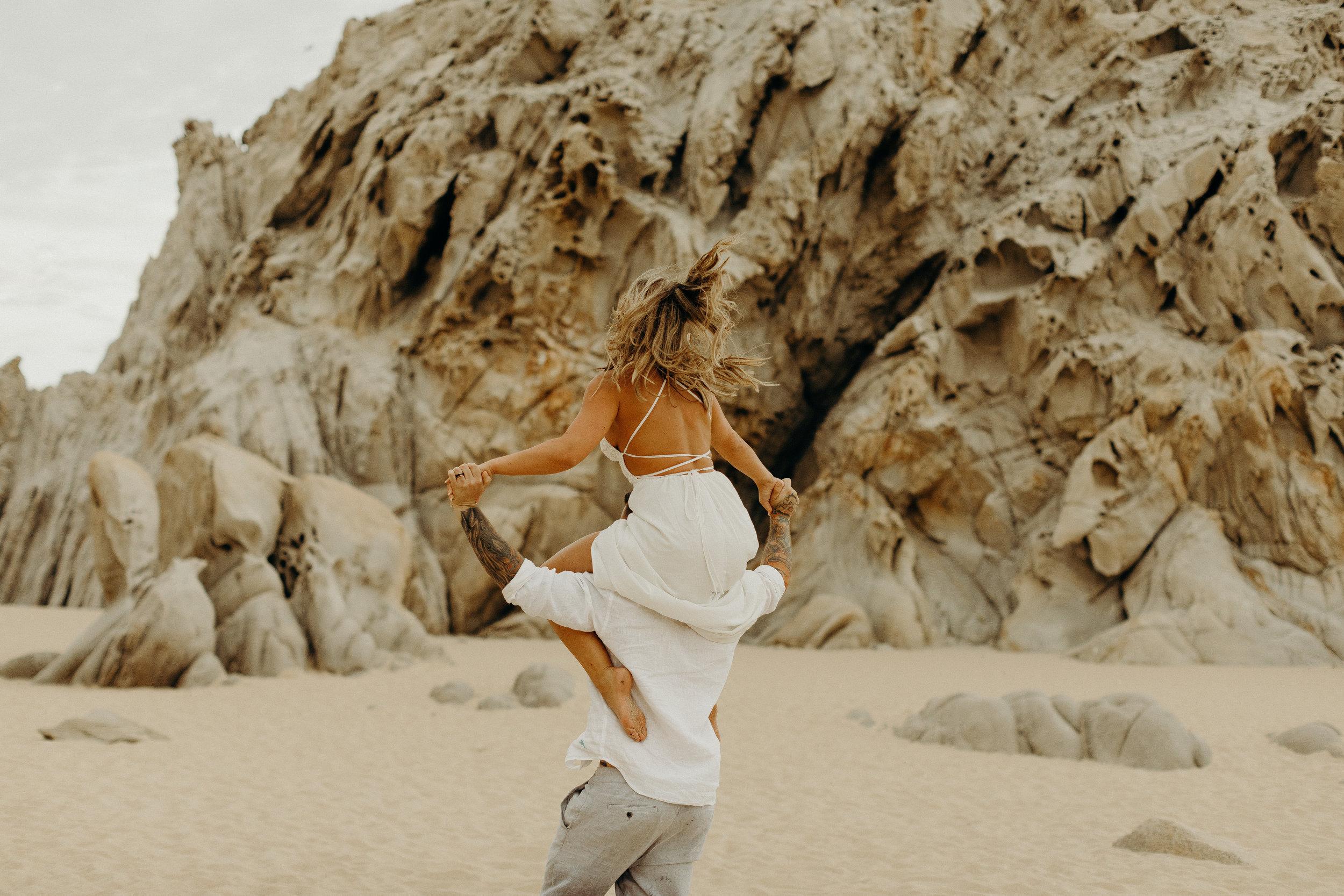 Cabo San Lucas Lovers Beach Elopement 20.jpg