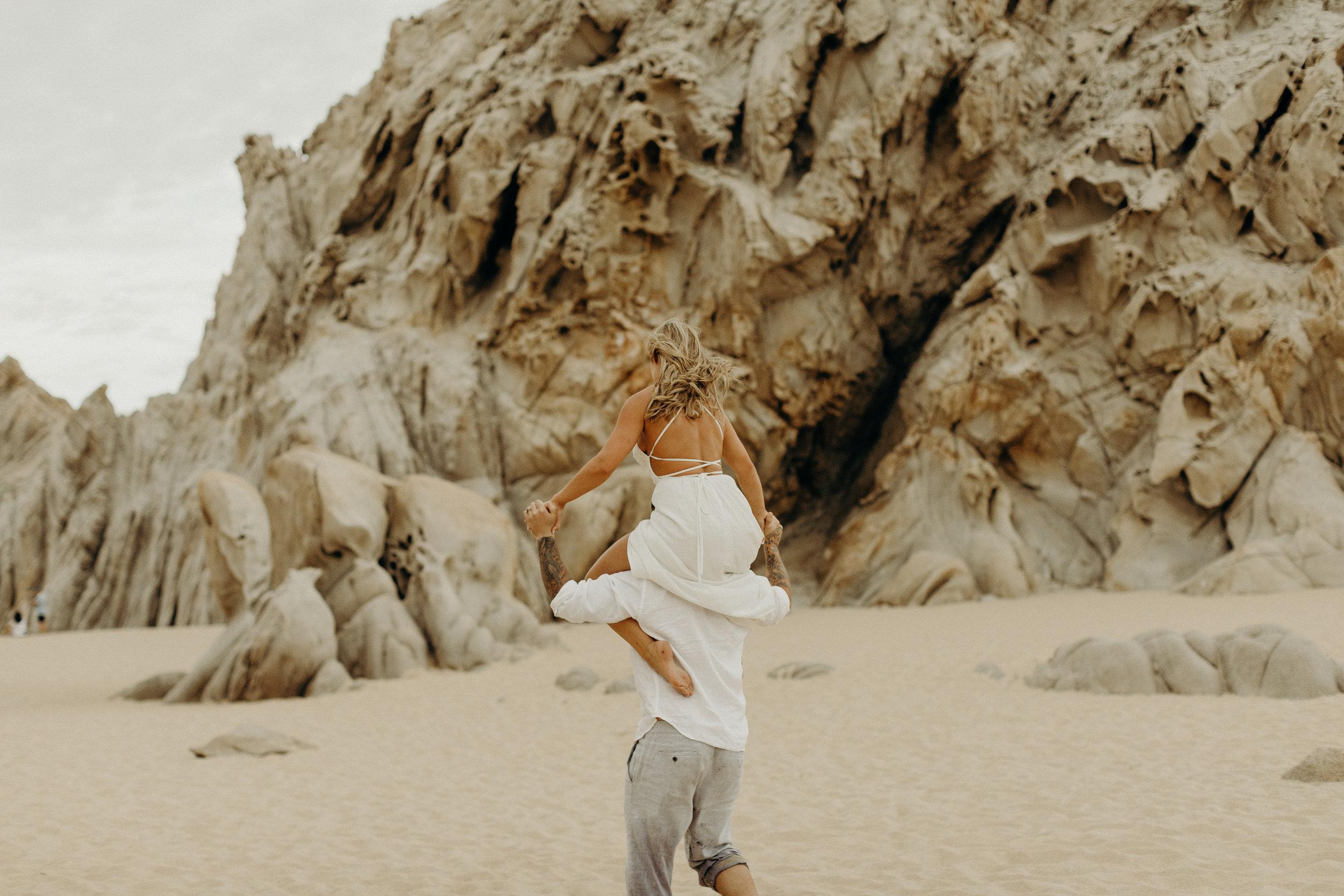 Cabo San Lucas Lovers Beach Elopement 22.jpg