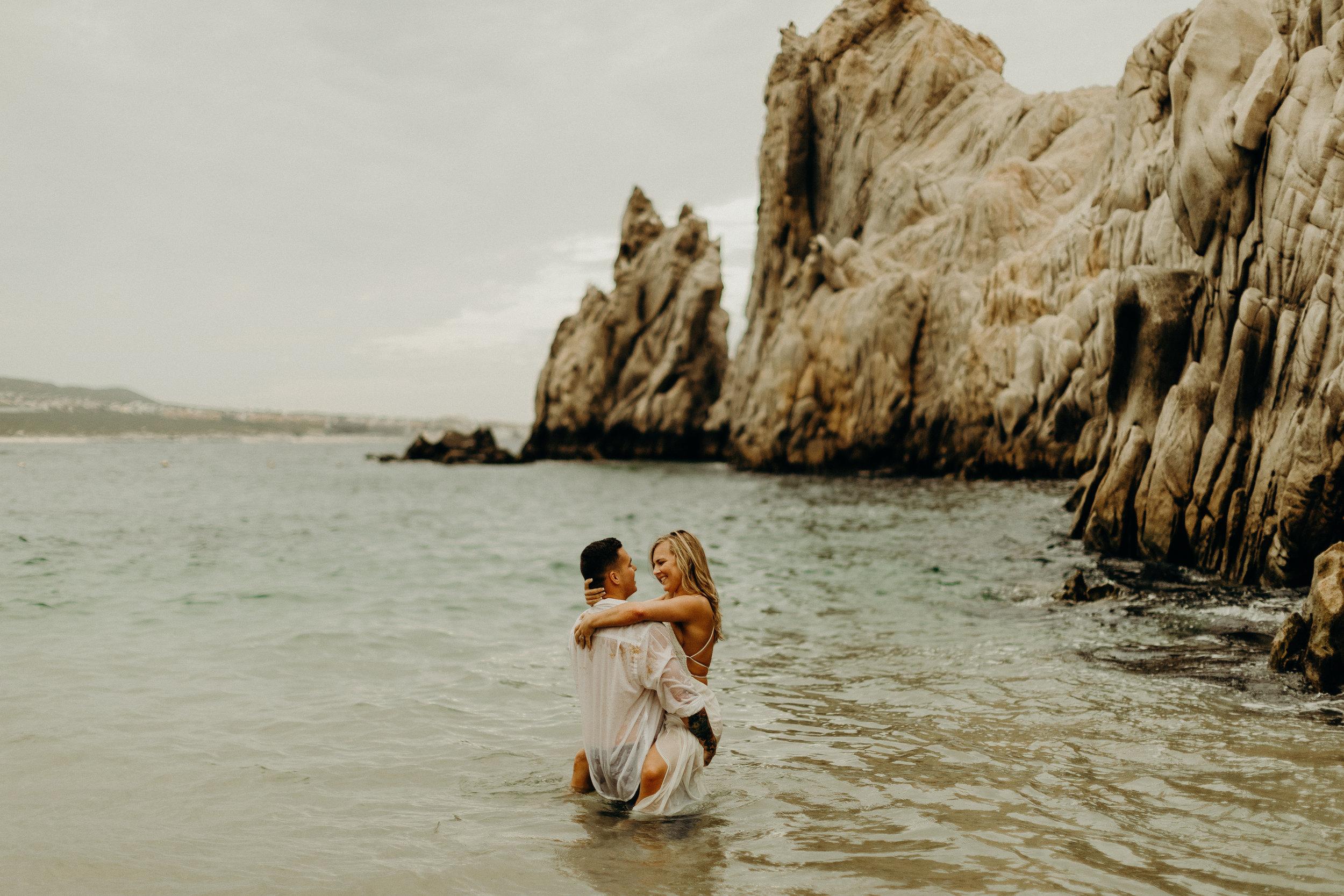 Cabo San Lucas Lovers Beach Elopement 27.jpg