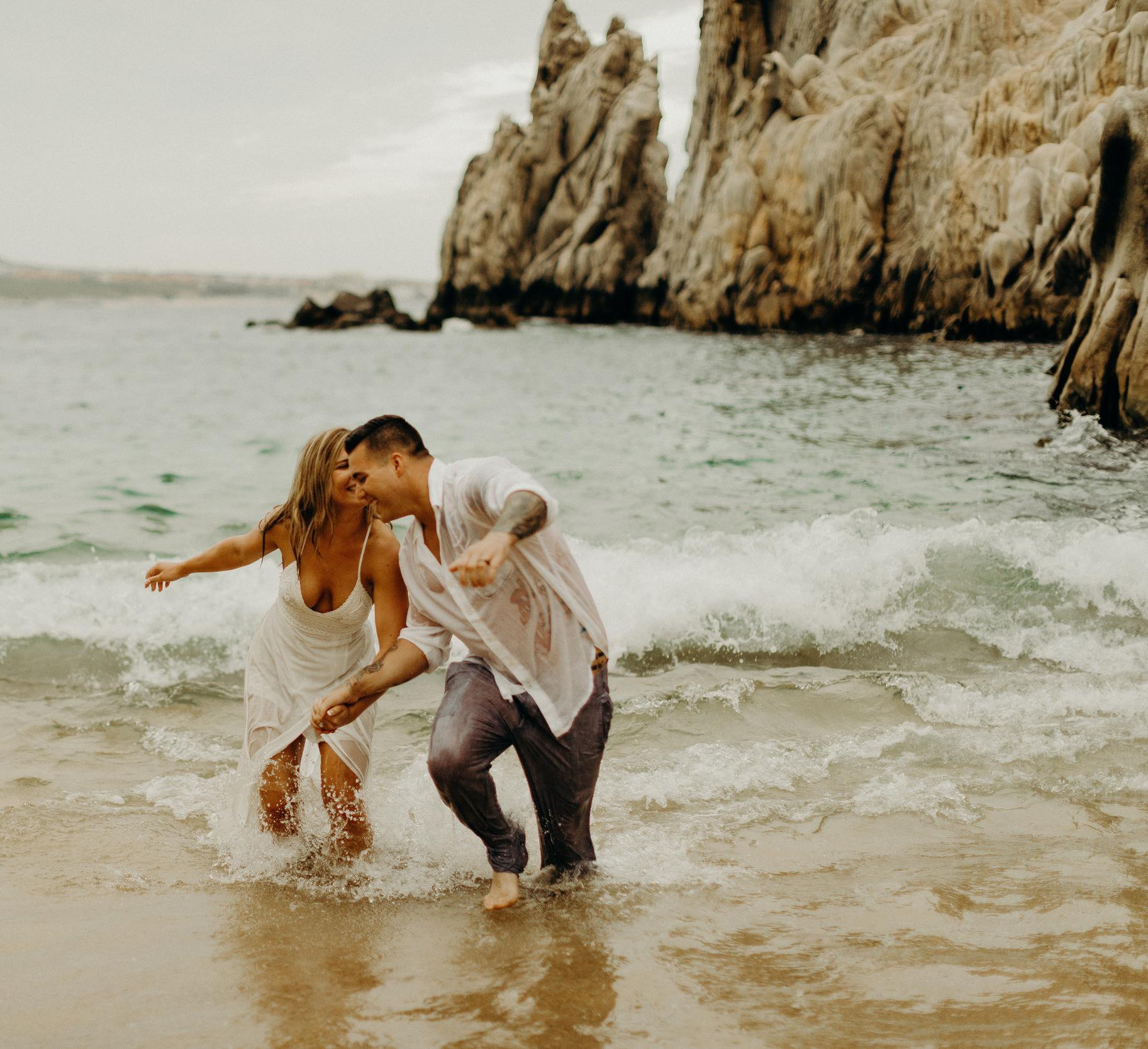 Cabo San Lucas Lovers Beach Elopement 29.jpg