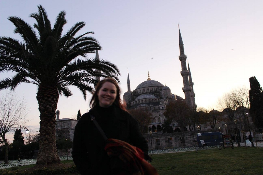 A beautiful sunset spent in Sultanahmet Square, here posing in front of the Sultan Ahmed Mosque (also called Blue Mosque).