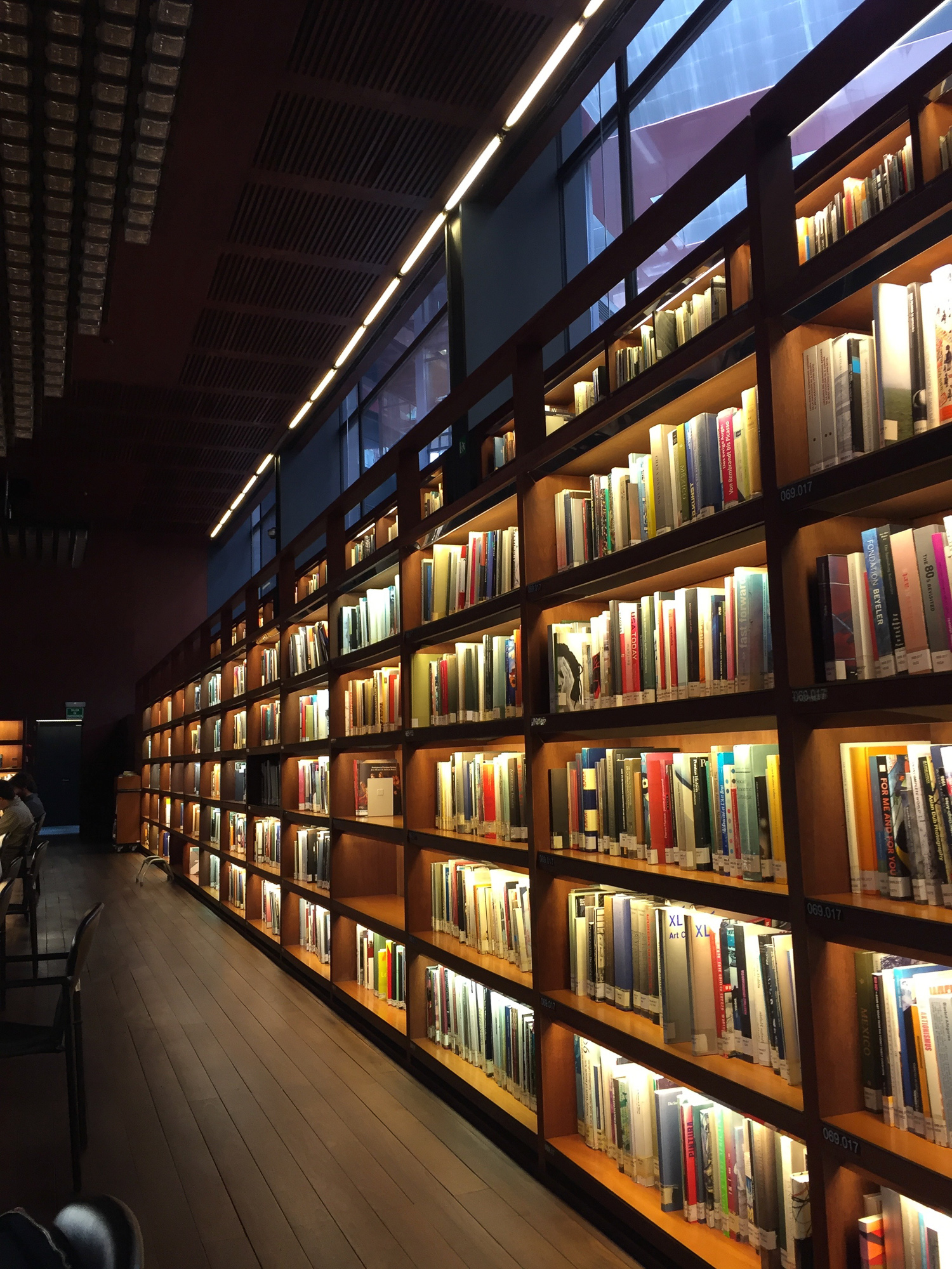 Can't be missing from this Budget Guide from Madrd: Reina Sofia library: one of my favorite places