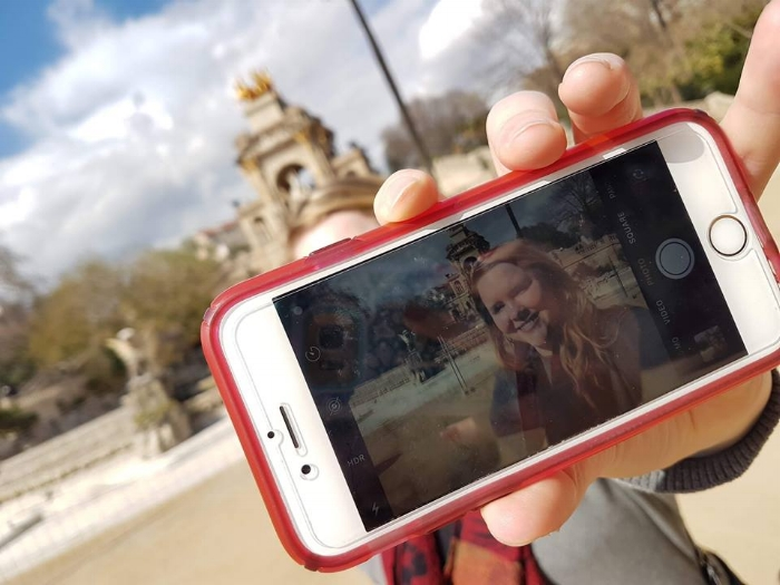 Playing iPhone-ception in Barcelona; documenting Parc de la Ciutadella from two different perspectives.