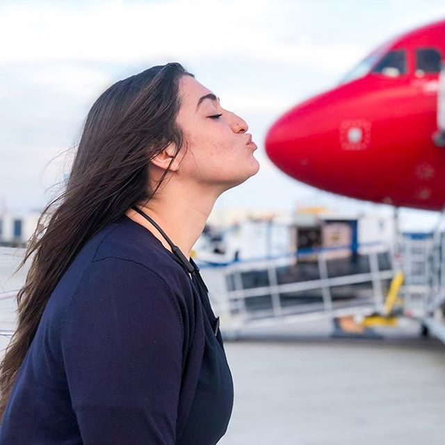 ✈️Female & Male flight attendants are still facing stigmatic treatment alike. This is because the job is still considered something exclusively for women, but in the sexist women-idea kinda sense😥. This week @Hayleytheflyingfox talks about sexism on airlines and how she tries to deal with it as a flight attendant. Check it out in our bio-link🎯⠀ •⠀ •⠀ •⠀ •⠀ #flightattendant #sexismonplanes #travelwoman #travelspirit #femmetravel #travelingwomen #wanderluster #plane #ontheplane #flyingout #getlost #femaletravelcollective