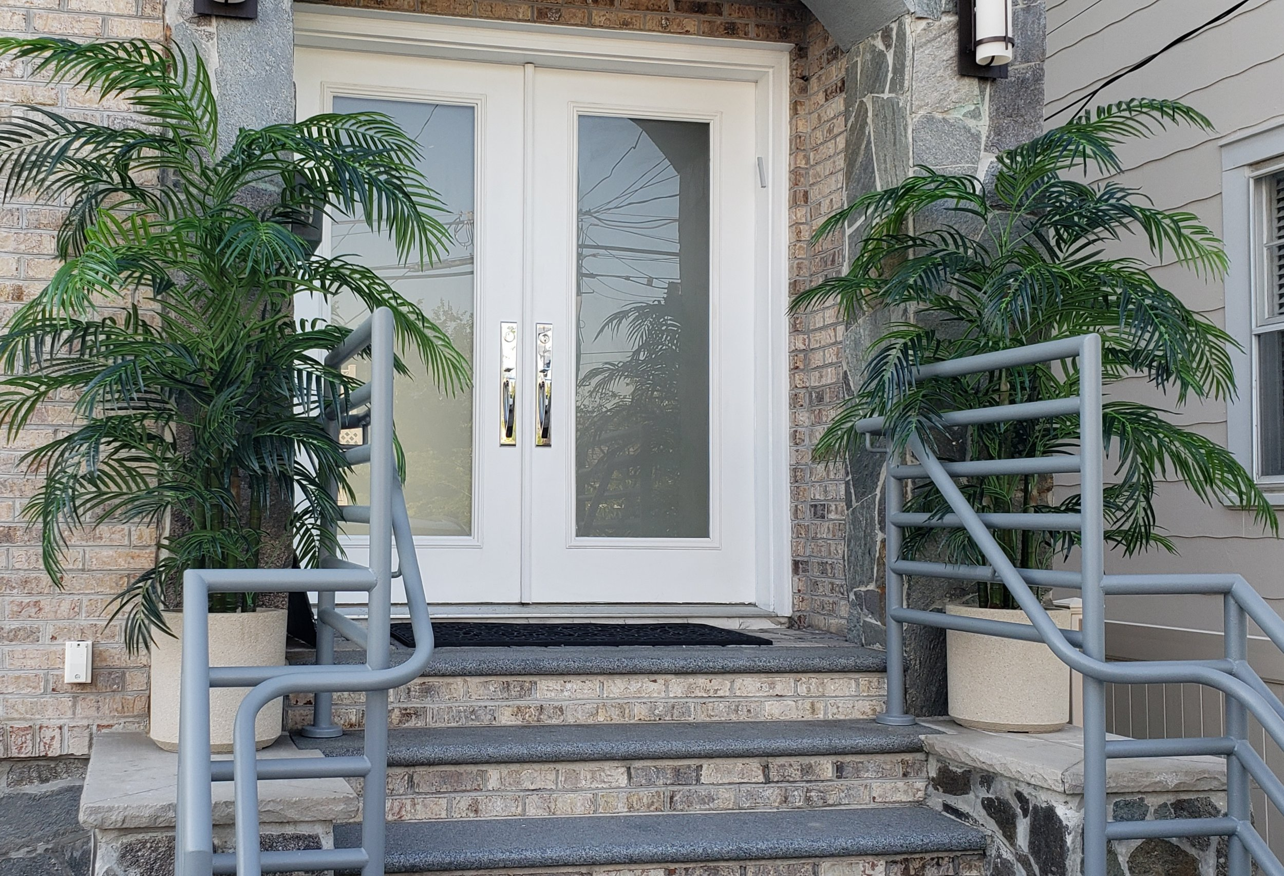 UV Outdoor Areca Palms