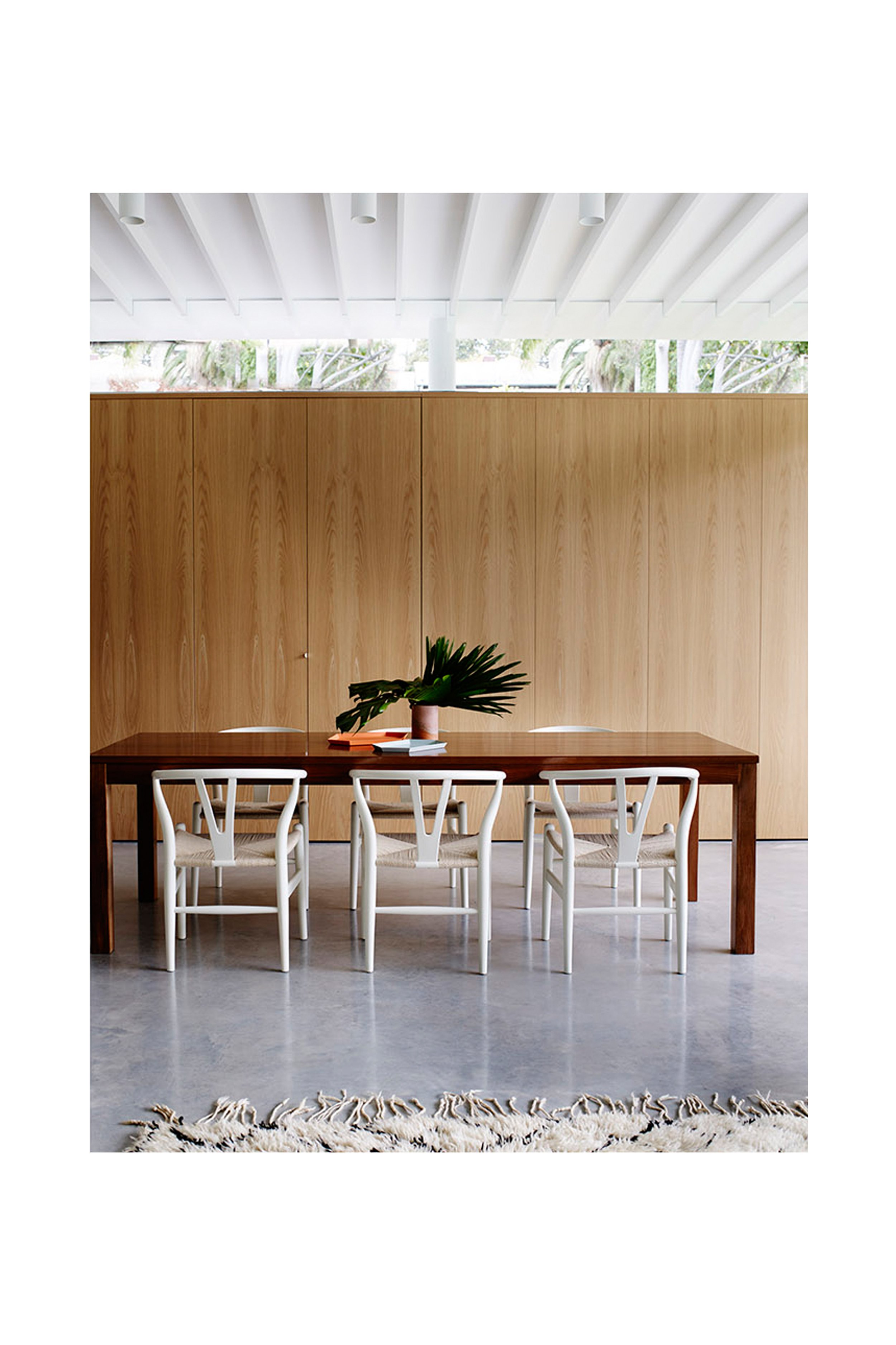 Website | File | Terence Yong Architecture | Coogee House : 2 in 1 | Addition | Cohesive interiors | An external Southern joinery wall to the Living-Dining areas | Wow, the little finger pull suggests that it is convertible into a Study corner!.jpg