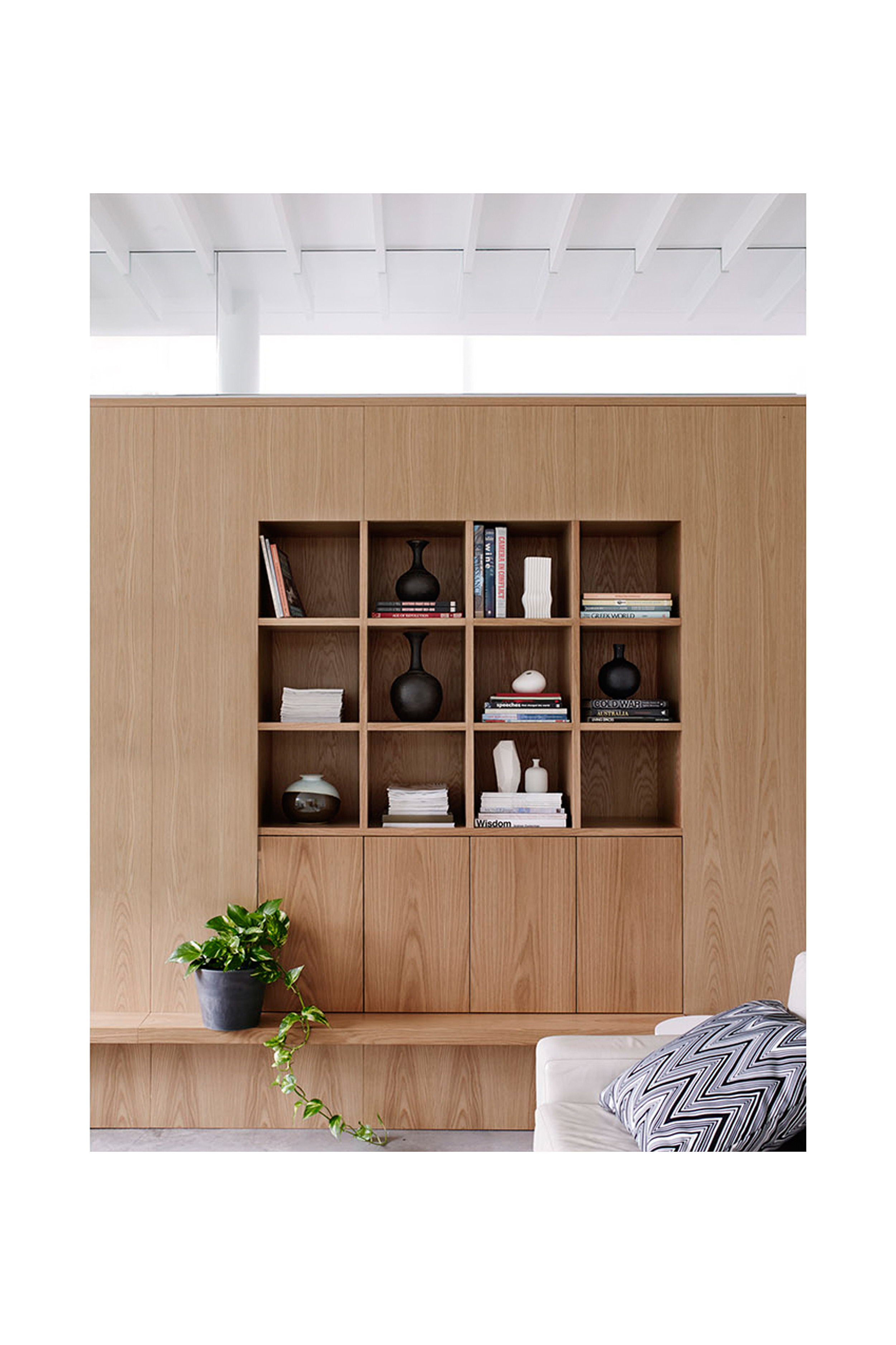 Website | File | Terence Yong Architecture | Coogee House : 2 in 1 | Addition | Cohesive interiors | An external Northern joinery wall to the Living-Dining areas.jpg