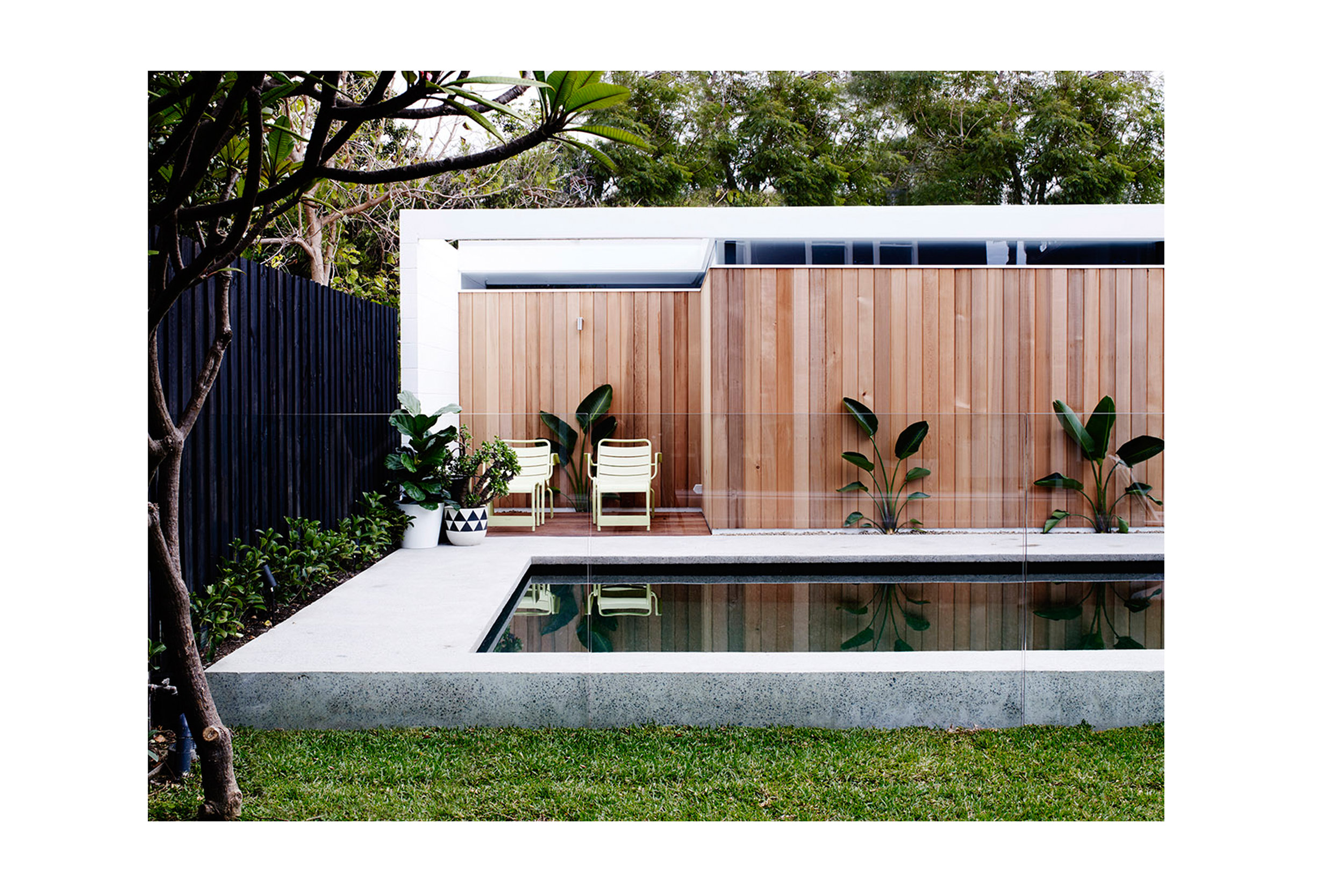 Website | File | Terence Yong Architecture | Coogee House : 2 in 1 | New | A fully energised, multi-purpose backyard and a glamorous Garage beyond.jpg