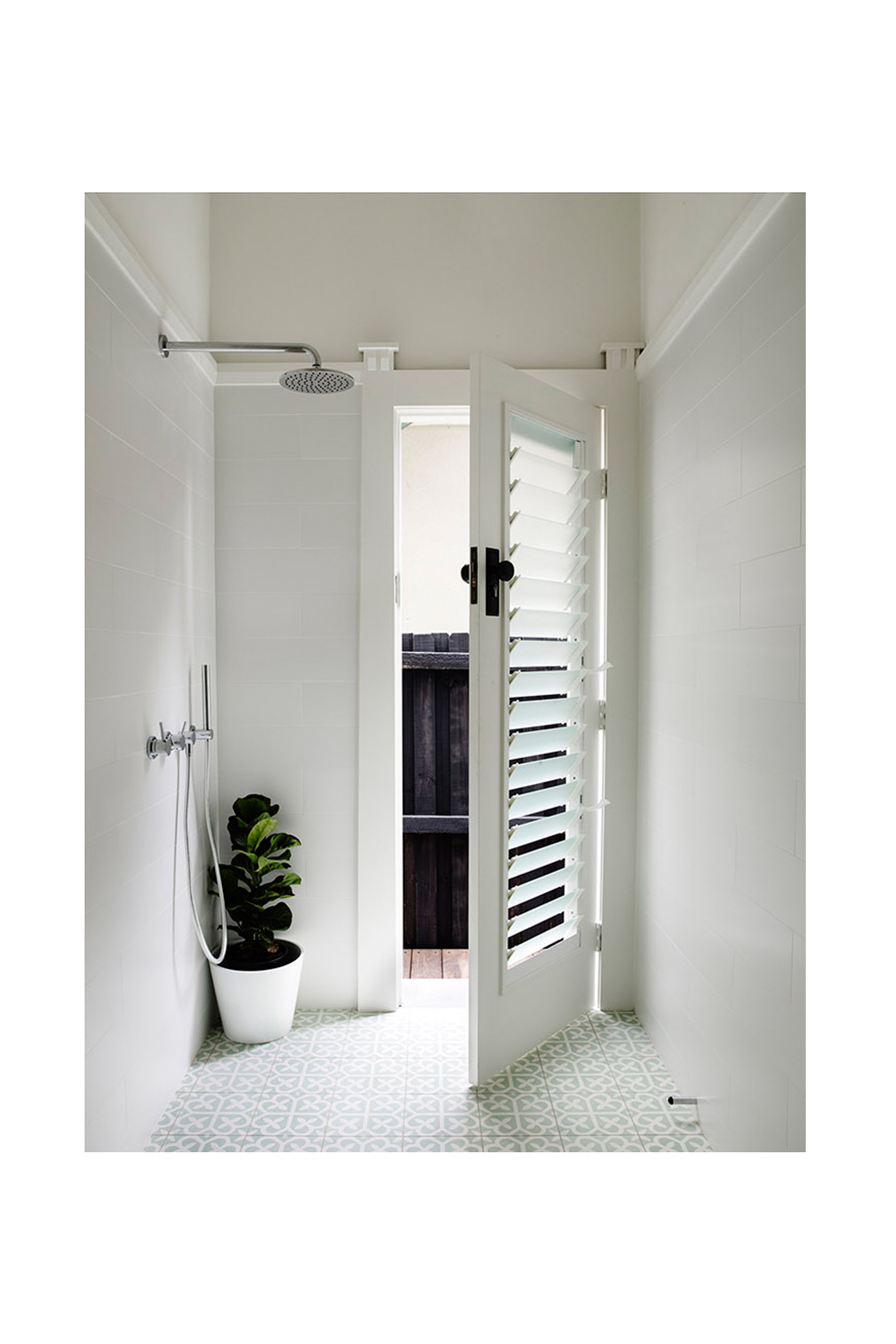 Website | File | Terence Yong Architecture | Coogee House : 2 in 1 | Alteration | An indoor-outdoor Bathroom.jpg