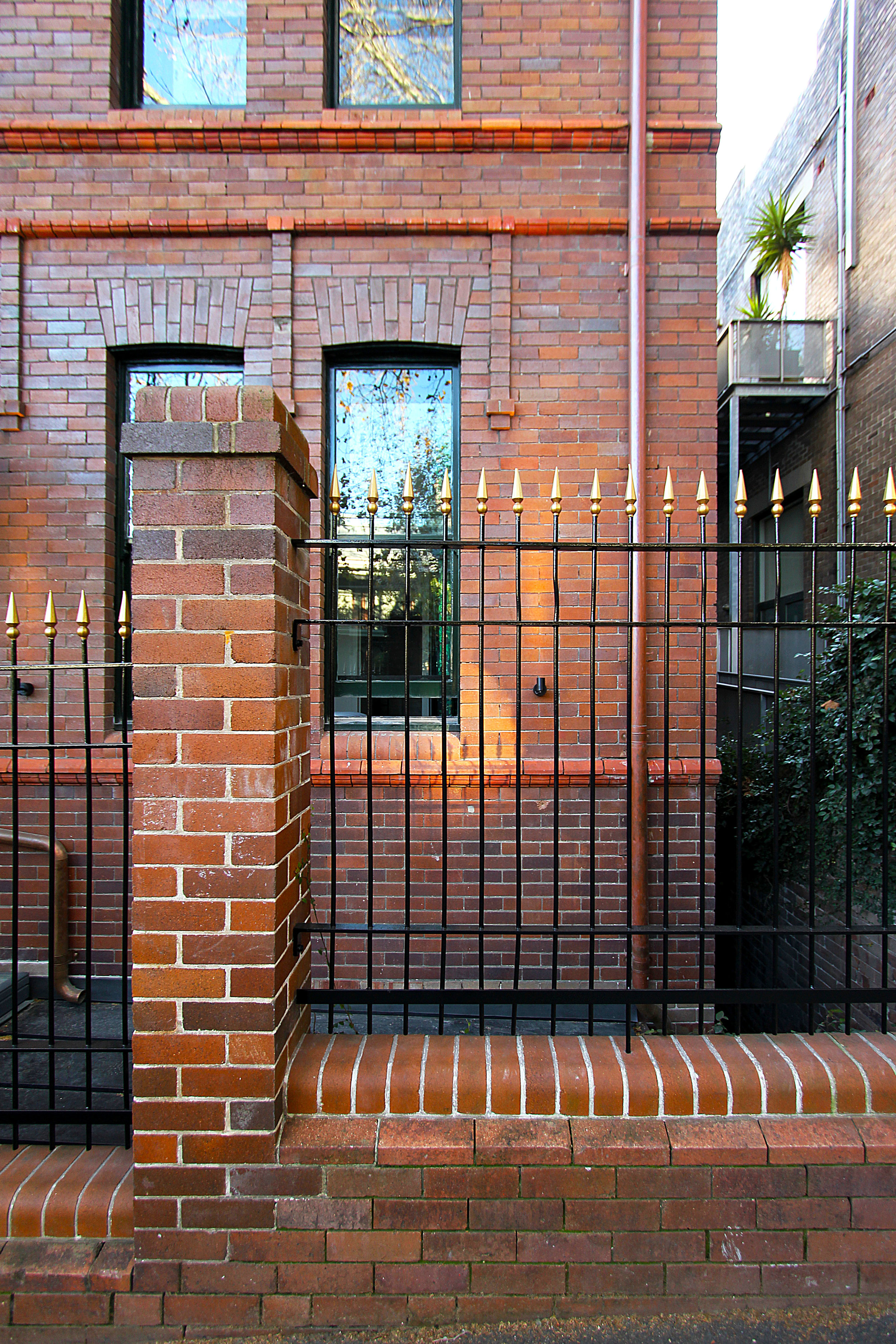 TYA Photography | Little Albion Guest House | Albion Street | Fencing | Winter | Sunrise 02 | A9746.jpg