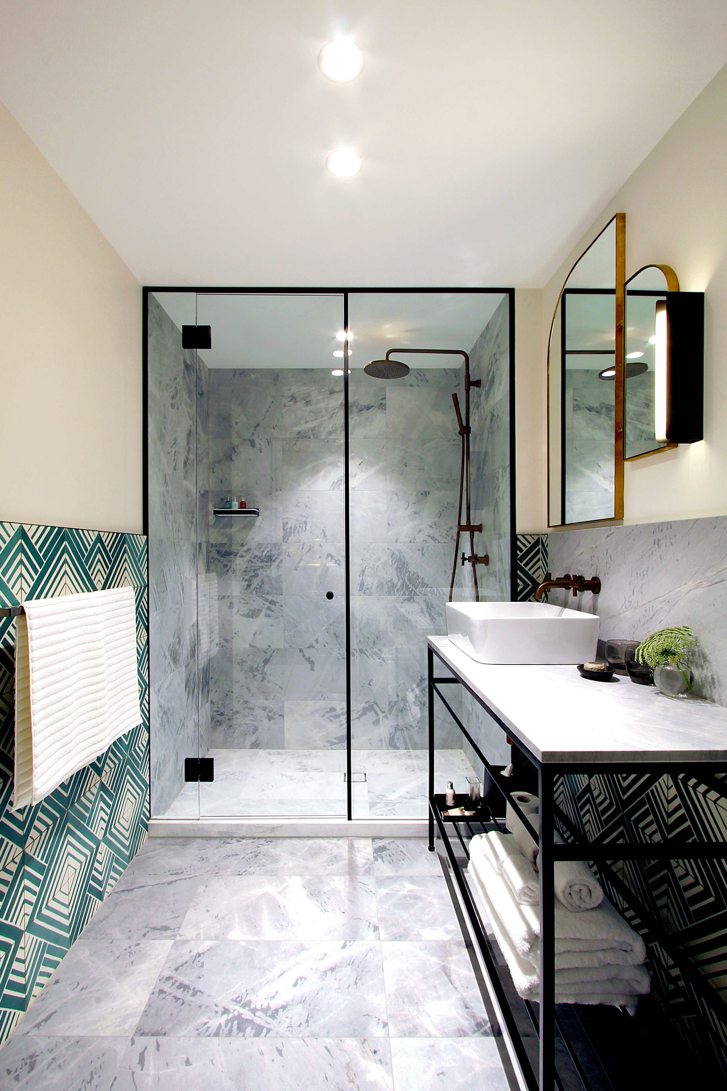 TYA Photography | Little Albion Guest House | Suite bathroom | Winter | Morning 01 | A6590.jpg
