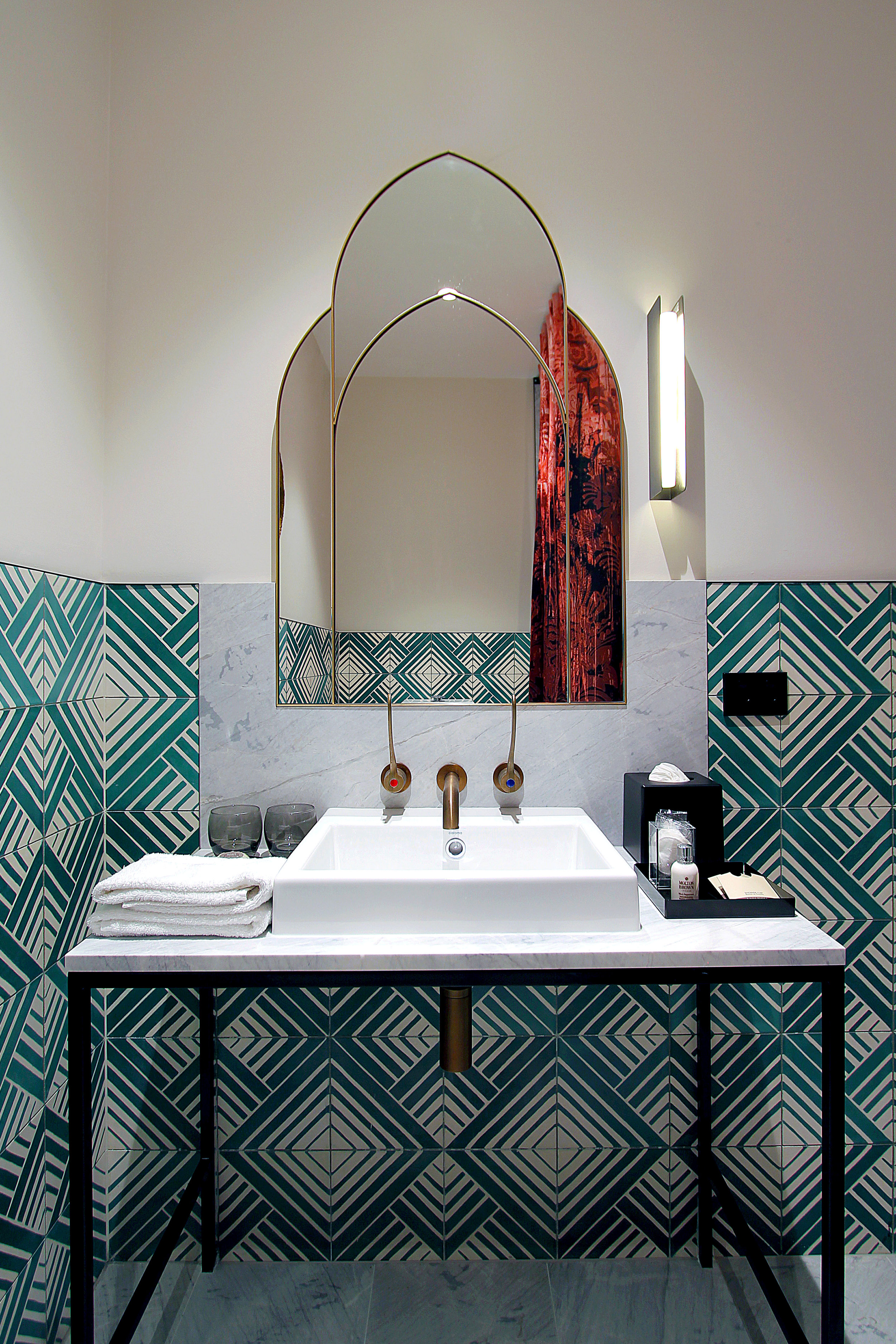TYA Photography | Little Albion Guest House | Sweet Suite bathroom | Winter | Evening 01 | A6921.jpg