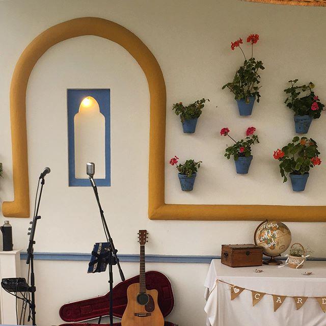 Nice summer set up at Hotel Castellar 🌺 🌴 🎤 🎶 🎸 #singer #musician #singerguitarist #weddingsinger #andalucia #castellar #wedding #privateevent #hotelcastellar #eventprofs #boseprofessional #livemusic #soloartist #gig #sm58 #weddingparty #drinksreception #cocktailhour #gibraltarwedding #spainwedding #andaluciawedding  #martinguitar @bose_professional @martinguitar @hotelcastellar_
