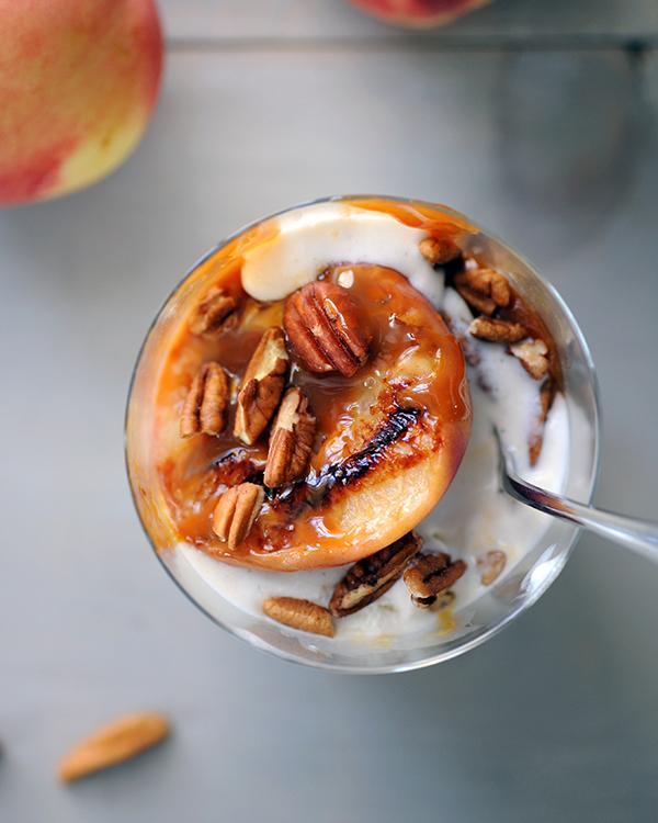 Grilled Peach Sundaes-9453