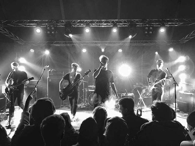 Slottsfjell, tusen takk for oss! Dere var utrolige❤️ 📸: Arnulf Østerdal.  #slottsfjell #slottsfjellfestivalen #festival #concert #rock #music #live #nebelung #ibanez #fender #shure #camppåtotal #total #band #norway #tønsberg #tbg #rebel #fixation