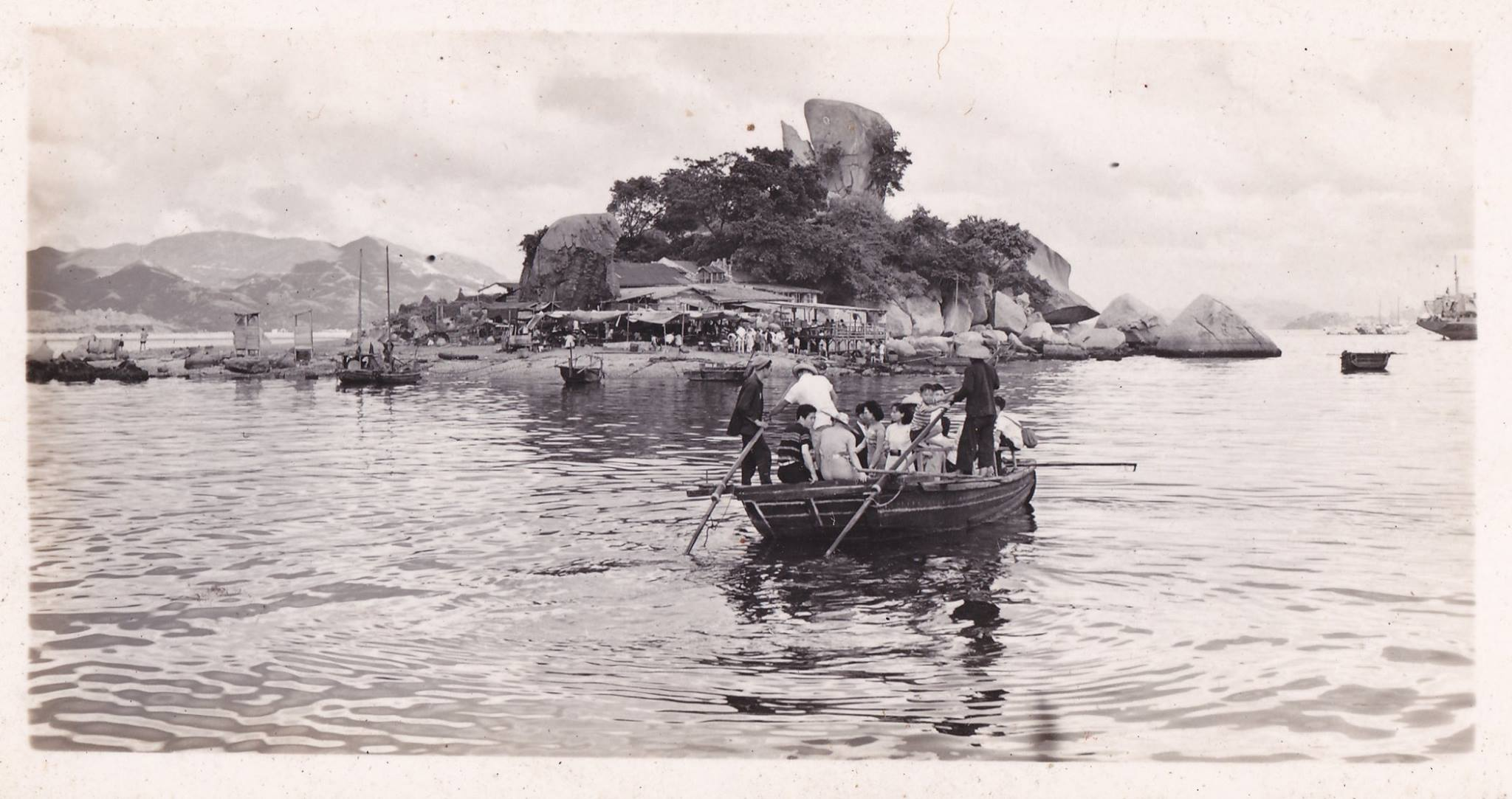 Hoi Sham Island, To Kwa Wan (circa 1950s). The island pictured is now part of a public park just around the corner. As is the case with most of the original shoreline of Victoria Harbour, the water separating the island has been reclaimed with landfill. (Source: SCMP)