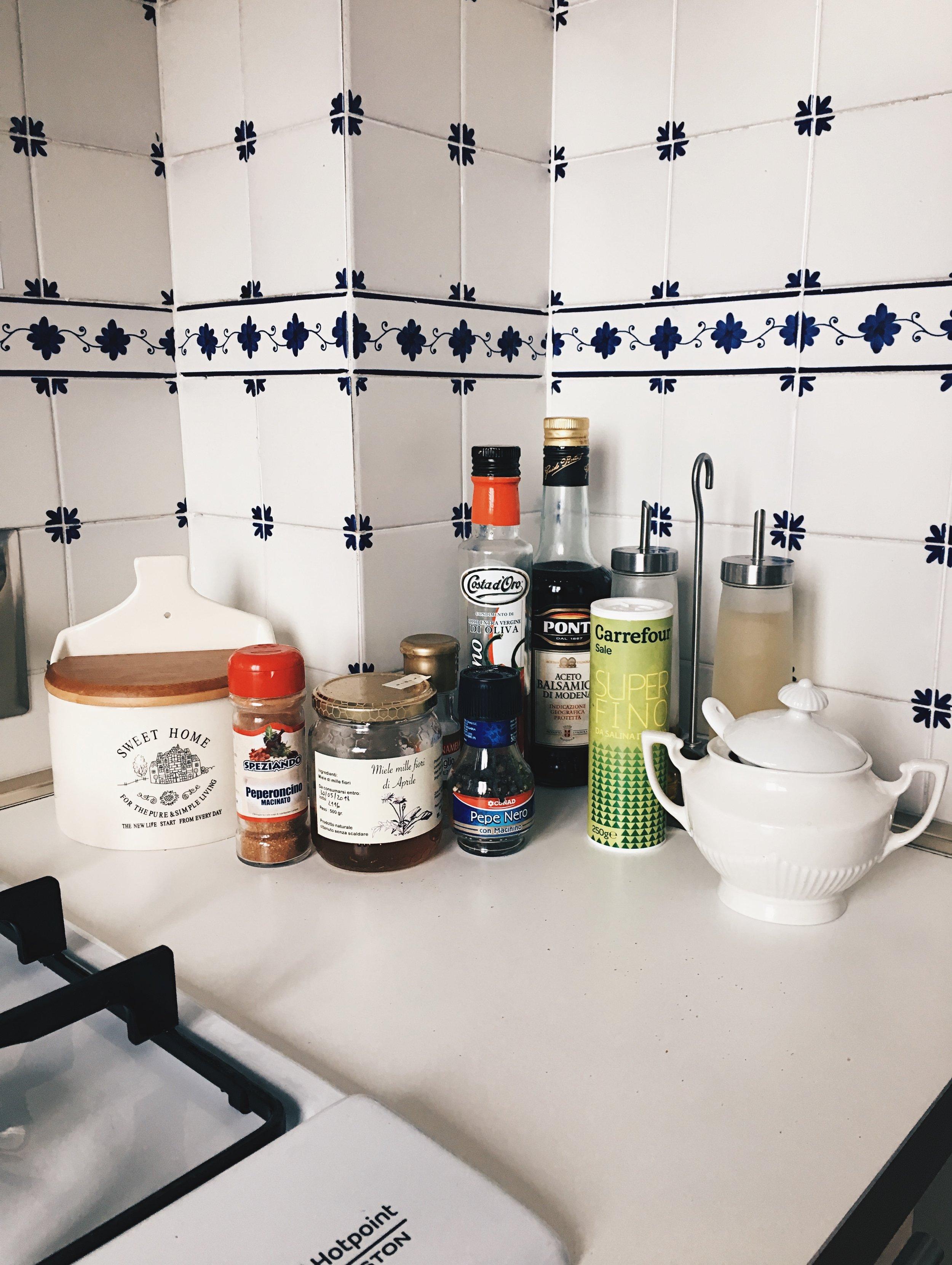 condiments-kitchen