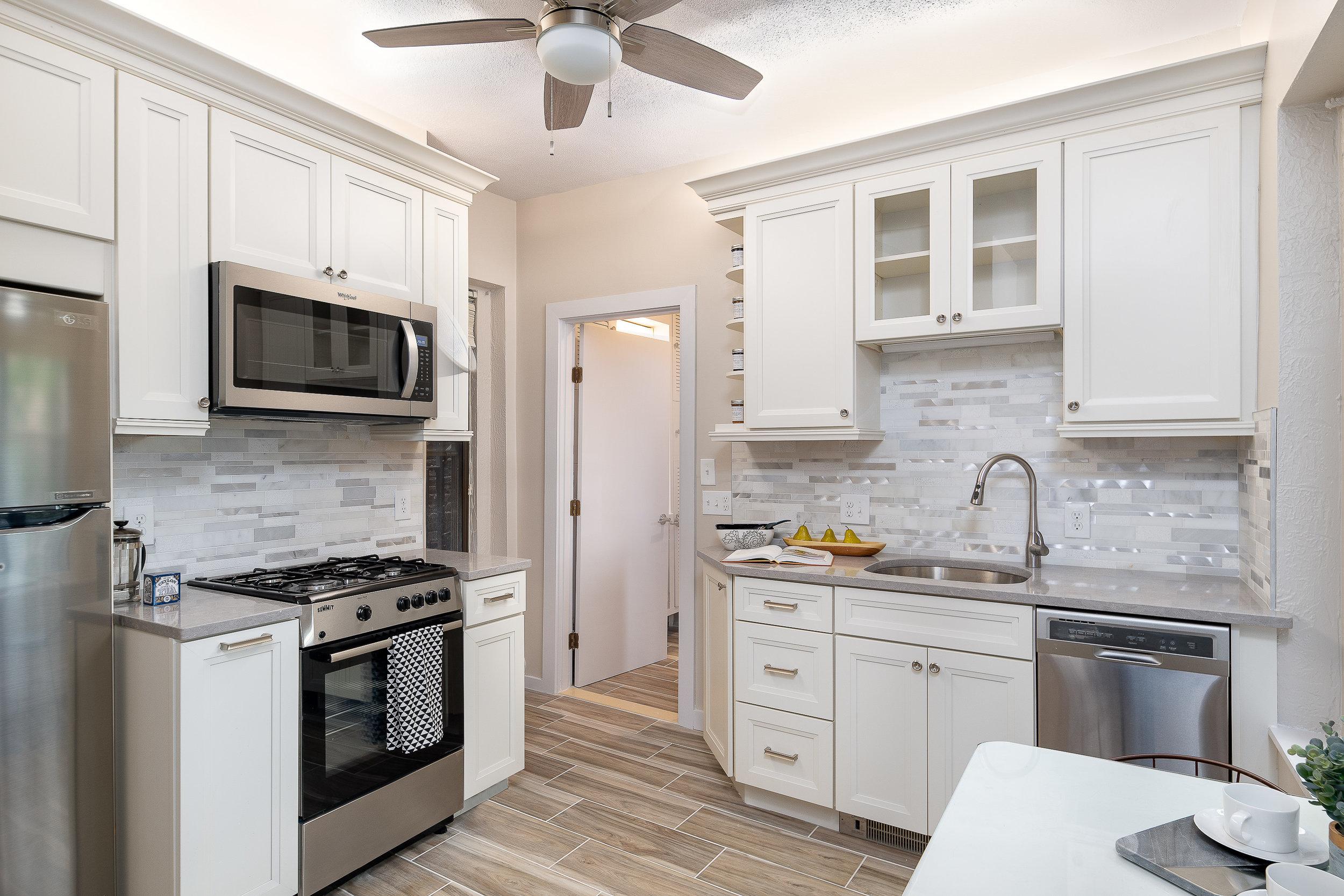 43 Irving St kitchen.jpg