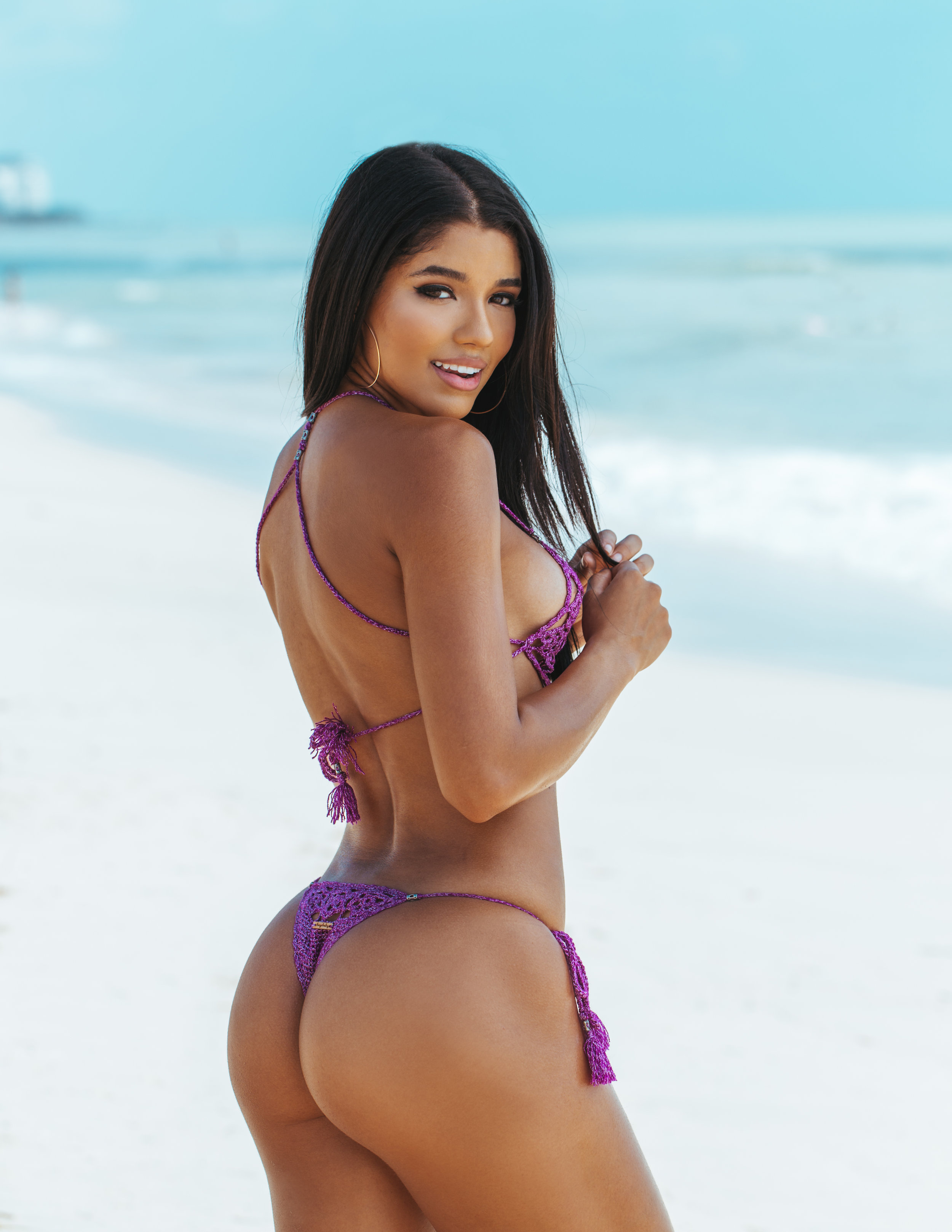 Yovanna By Richard Guaty--4.jpg