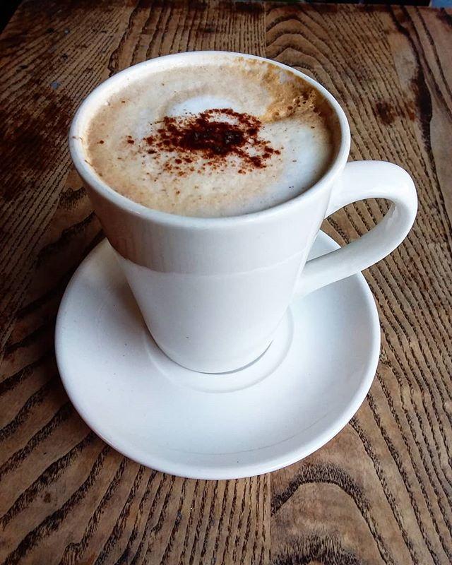 Morning mocha! @chrisbedwellphoto ... beat that! @thefrontroomcafe #finsburypark #finsburyparklondon #morningmocha #morningcoffee #londoncafe