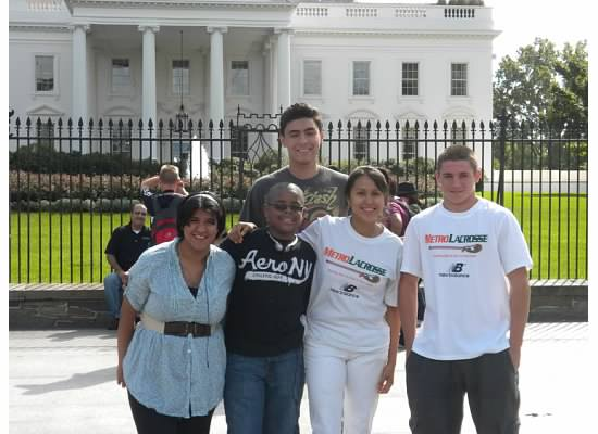 MetroLacrosse Boiardi Scholars visiting Washington, DC