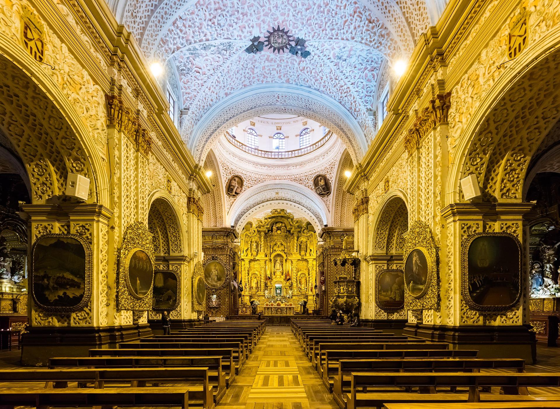 church-the-worship-2038591_1920.jpg