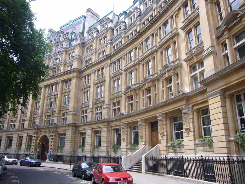 london_building_aw230607_3070.jpg