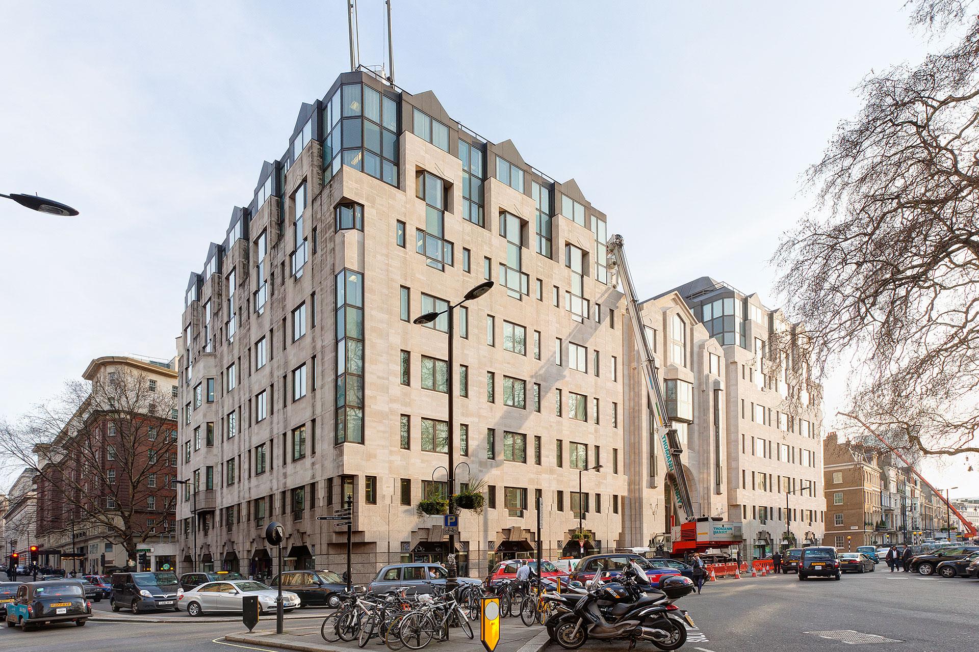 facade-cleaning-Lansdowne-House-Berkeley-Square-London.jpg
