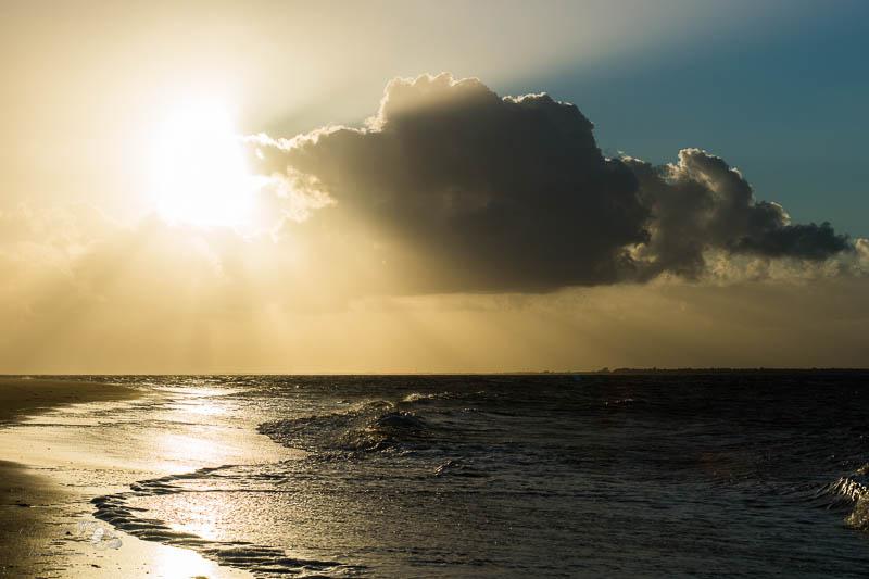 Soleil et nuage, pointe de l'Aiguillon, Vendée.