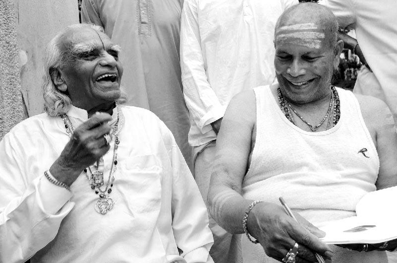 B.K.S. Iyengar and Pattabhi Jois, 2005