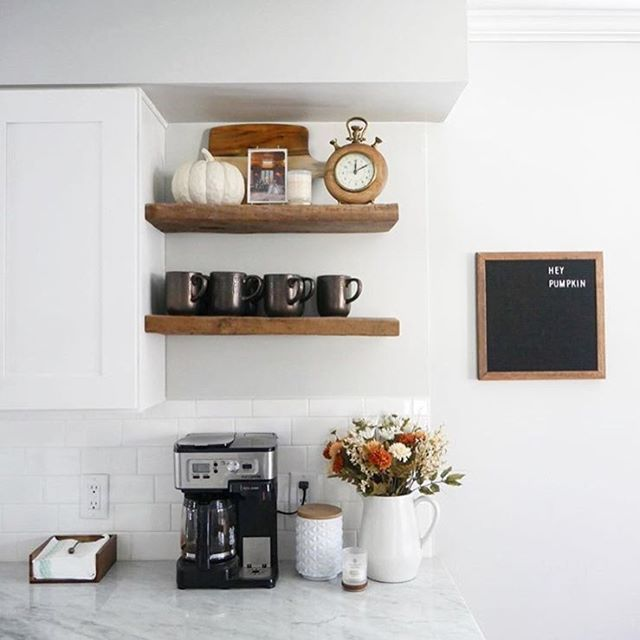 Open kitchen shelves & fall vibes to the max. We're in love 😍 . . . . . . . . . . #upgradeyourlife #apartmentliving #apartmentstyle #apartmentdecor #kitchendecor #hygge #hyggelife #hyggehome #positivevibes #lifestyle plantlife #plantlove #plant_addiction  #pdxwoodcrafters #livesimply #livelocally #scandinavian #nordicvibes #aesop #dreamhome #makeitreality #oregonlife #nw23rd #pdxpride #pdxliving #apartmentsforrent #apartmentforrent #myhomevibe #decorcrushing #fallvibes #october
