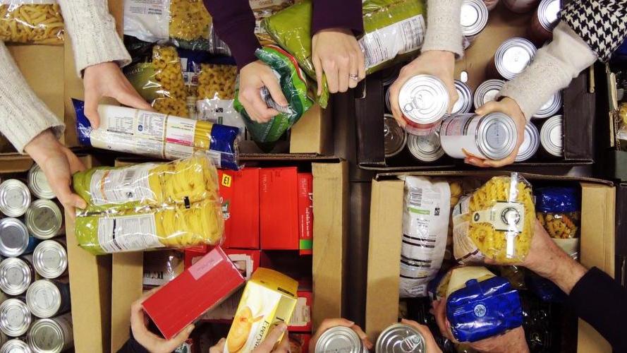trusselltrust-food-bank-01.jpg