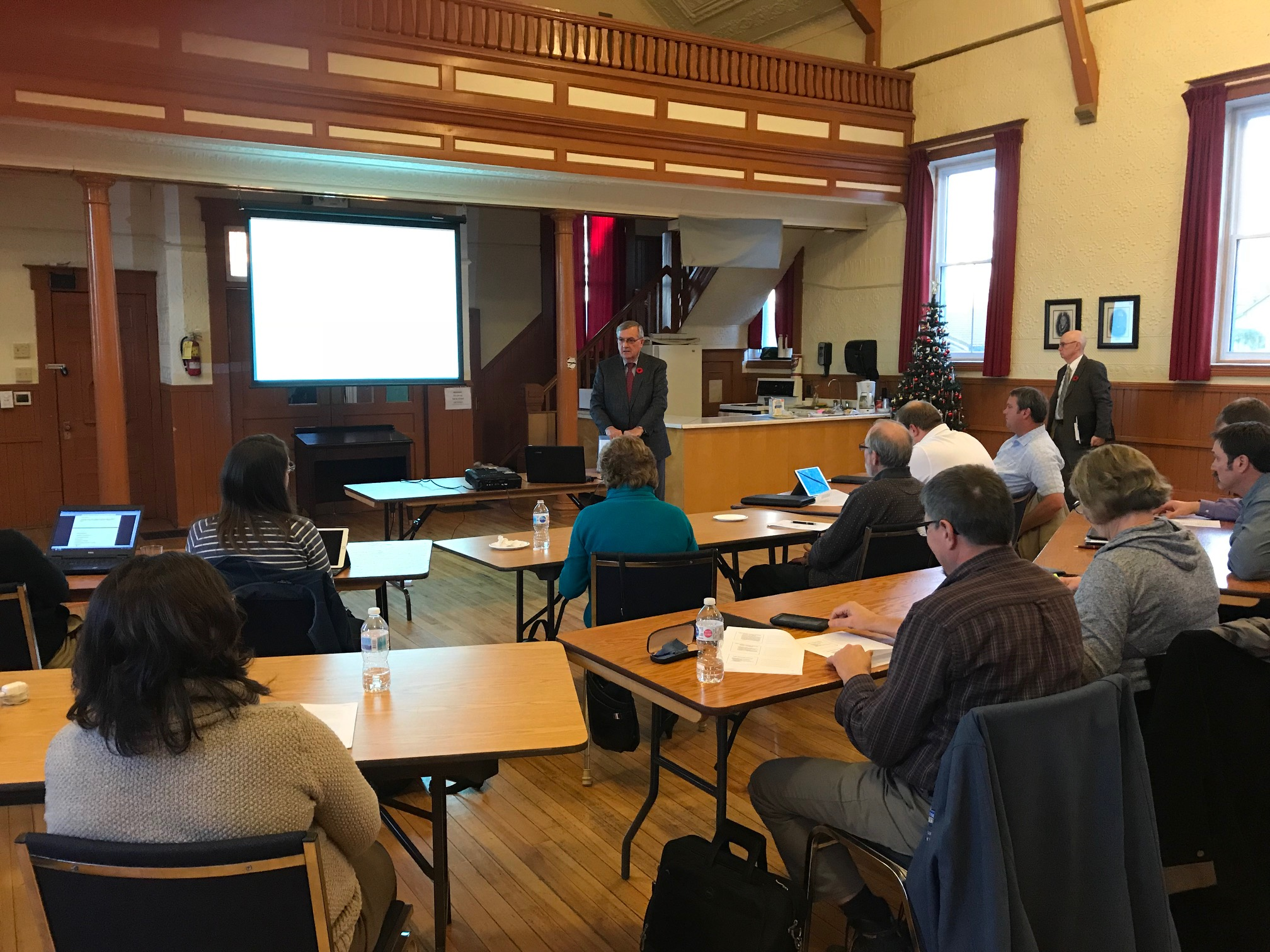 Nigel Bellchamber of Amberly Gavel Ltd. presents to staff and incoming council on the important role council plays in municipal government.
