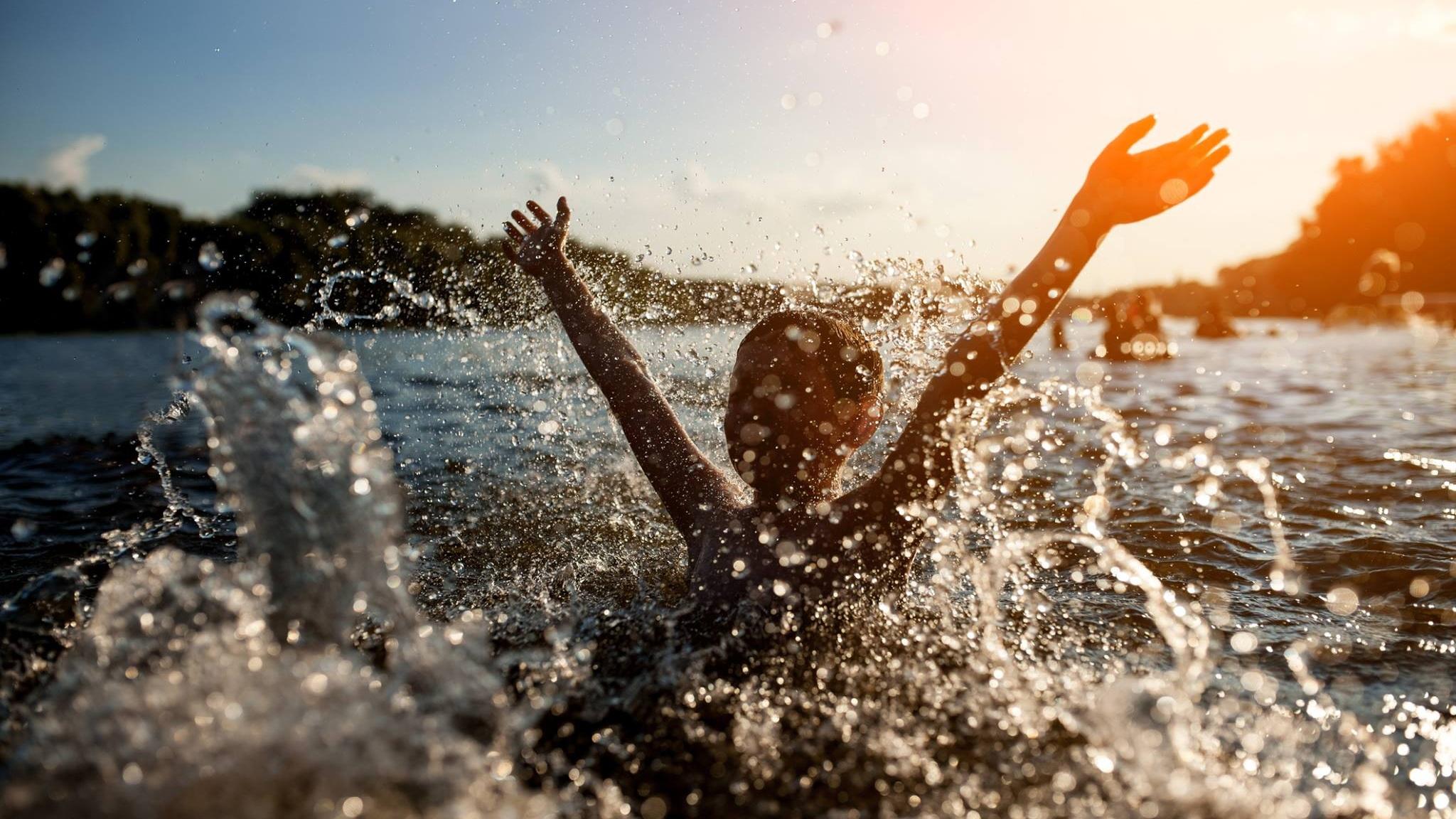 swimming+lessons+stock+image.jpg